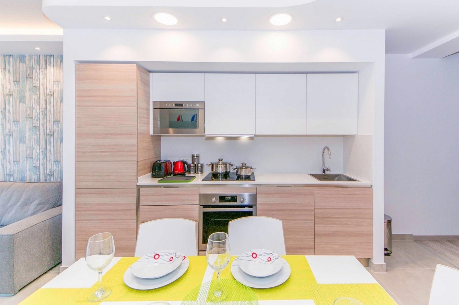 2 bed Apartment For Rent in Qawra, Qawra - thumb 8