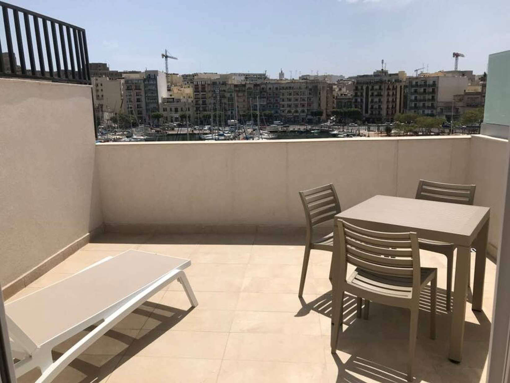 1 bed Penthouse For Rent in Msida, Msida - thumb 2