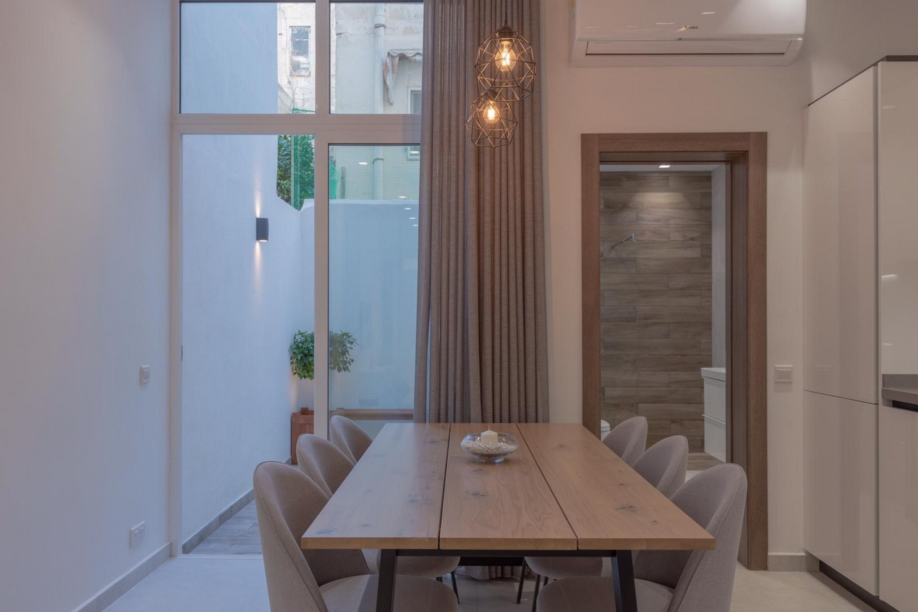 3 bed Town House For Rent in Sliema, Sliema - thumb 3