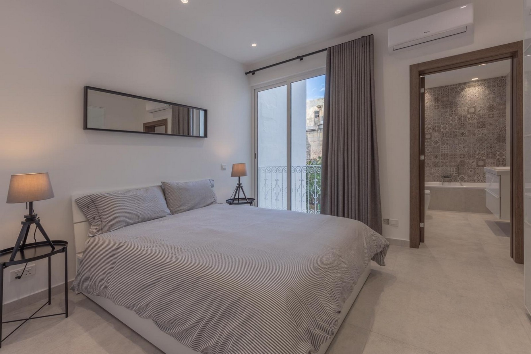 3 bed Town House For Rent in Sliema, Sliema - thumb 11