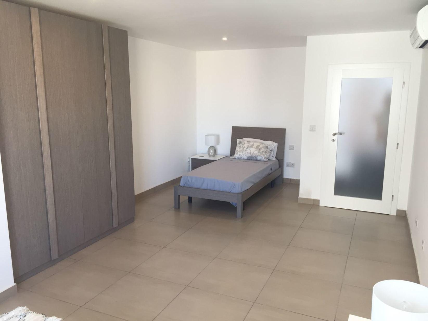 2 bed Apartment For Rent in Sliema, Sliema - thumb 8