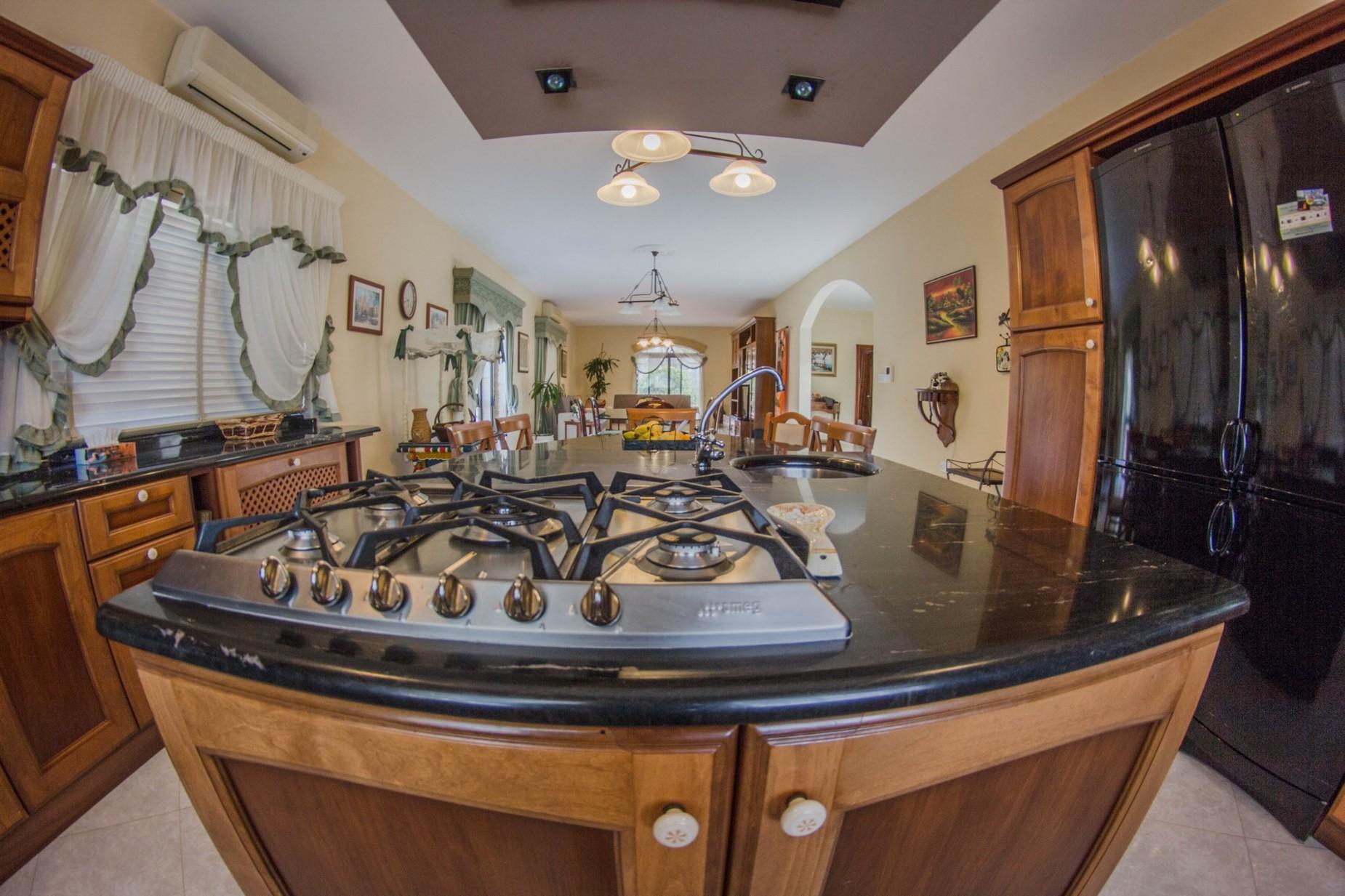 6 bed Villa For Rent in Mellieha, Mellieha - thumb 19