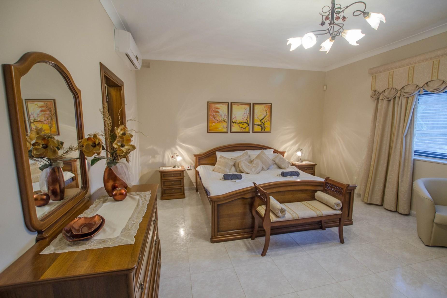 6 bed Villa For Rent in Mellieha, Mellieha - thumb 8