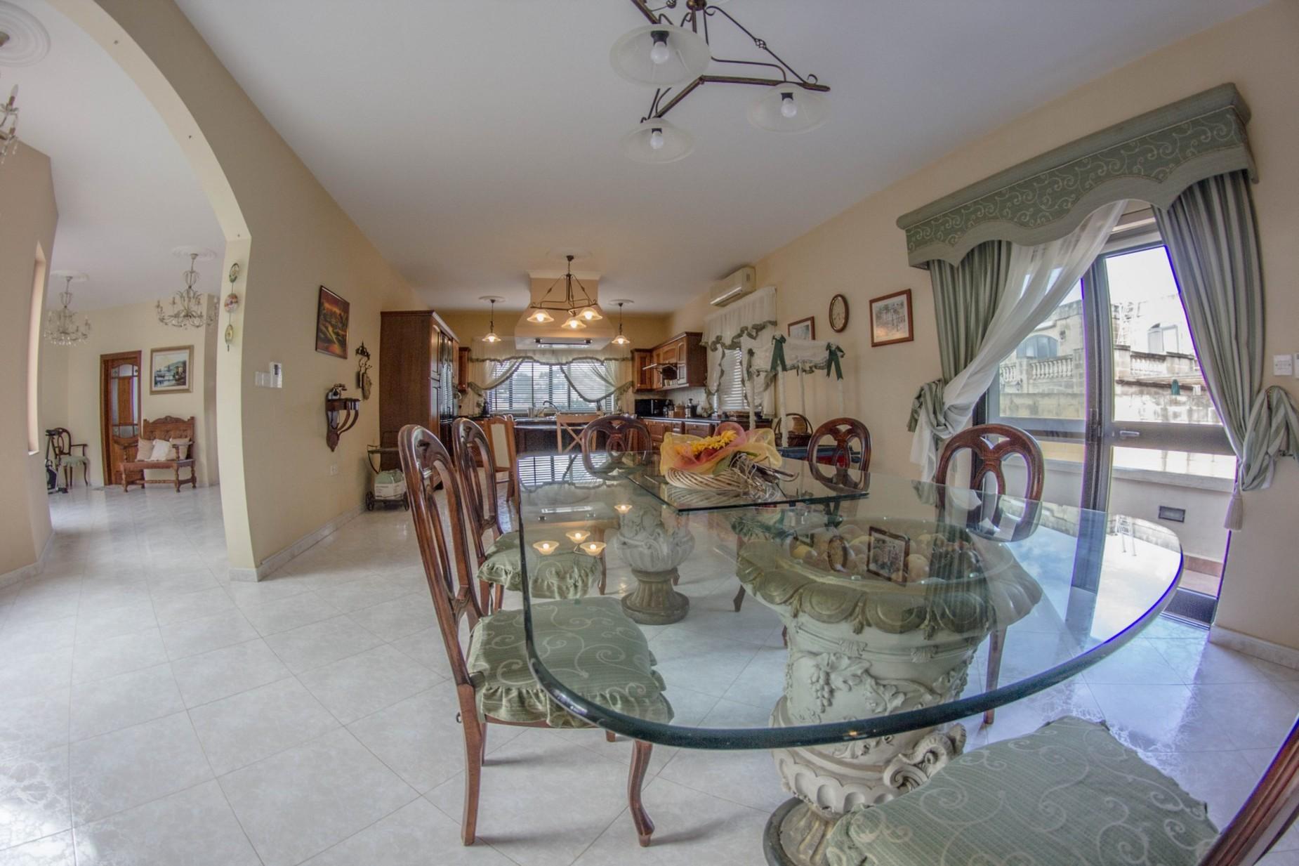 6 bed Villa For Rent in Mellieha, Mellieha - thumb 18