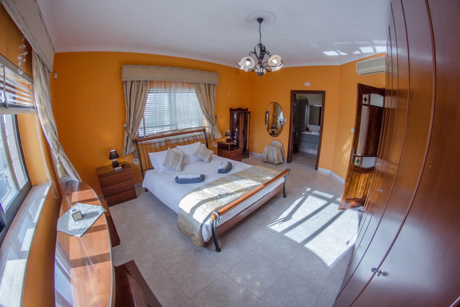 6 bed Villa For Rent in Mellieha, Mellieha - thumb 11