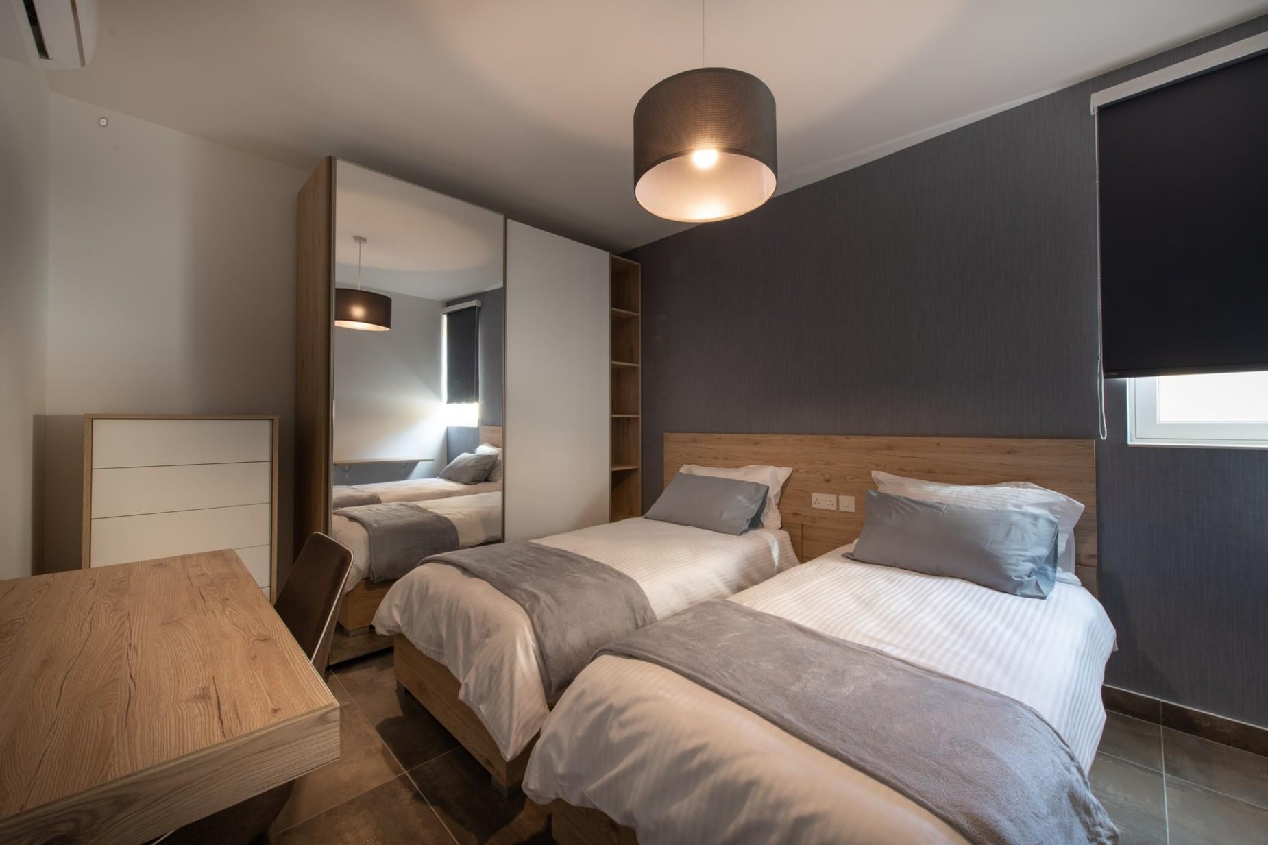 2 bed Apartment For Rent in Ta' Xbiex, Ta' Xbiex - thumb 7