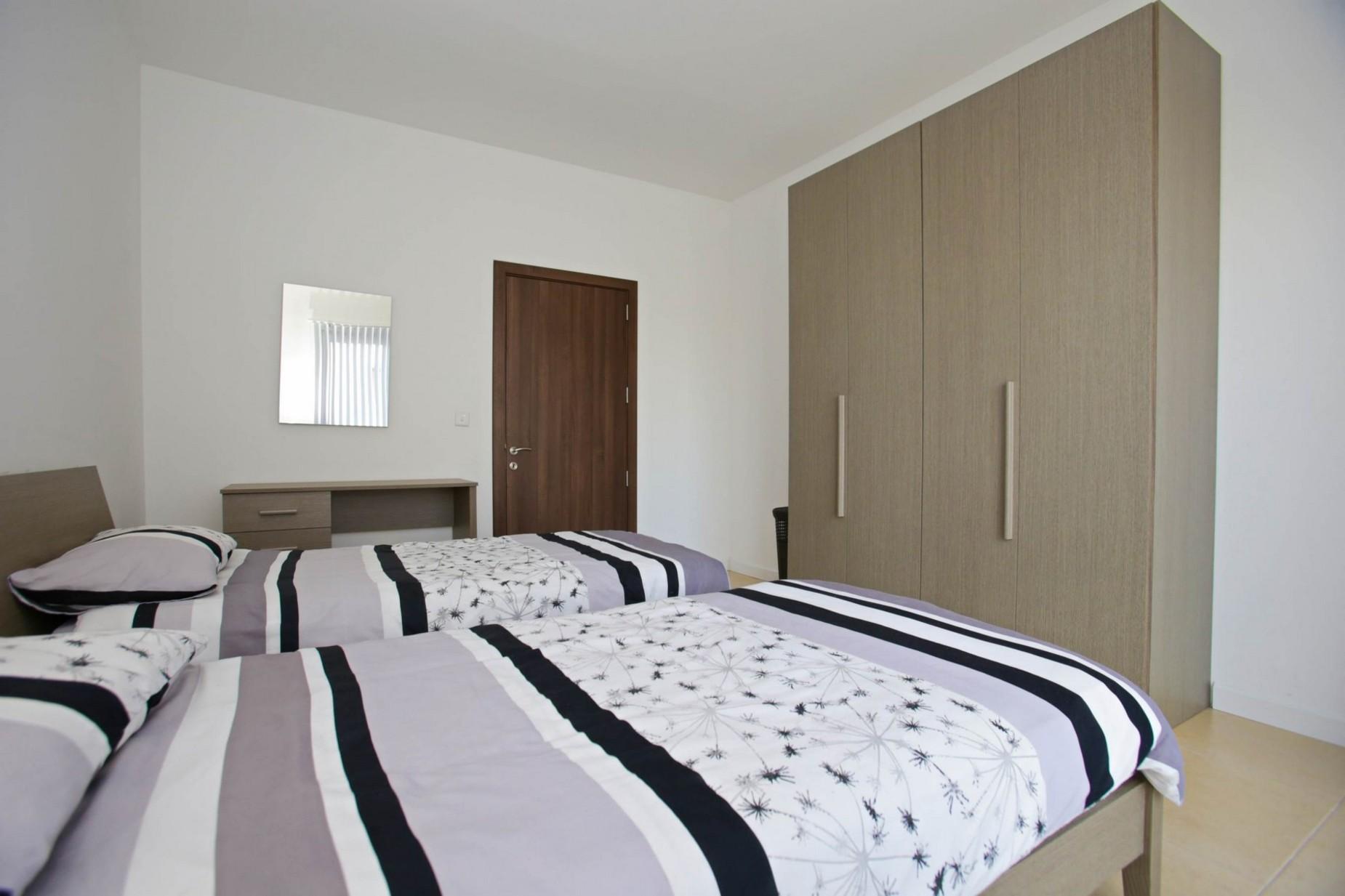 3 bed Apartment For Rent in Gzira, Gzira - thumb 14