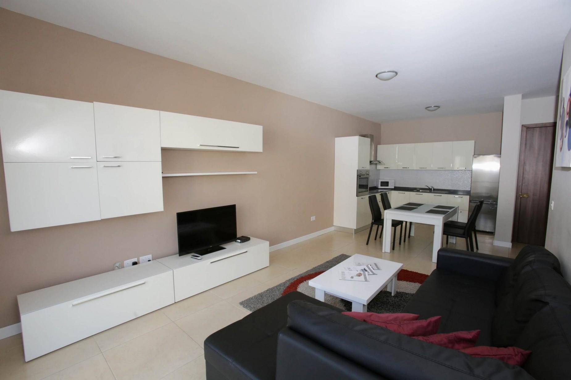 3 bed Apartment For Rent in Gzira, Gzira - thumb 6
