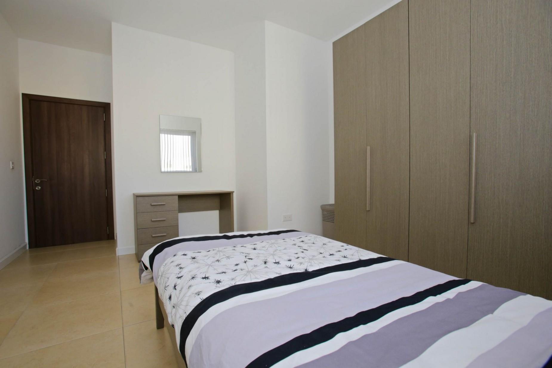 3 bed Apartment For Rent in Gzira, Gzira - thumb 16