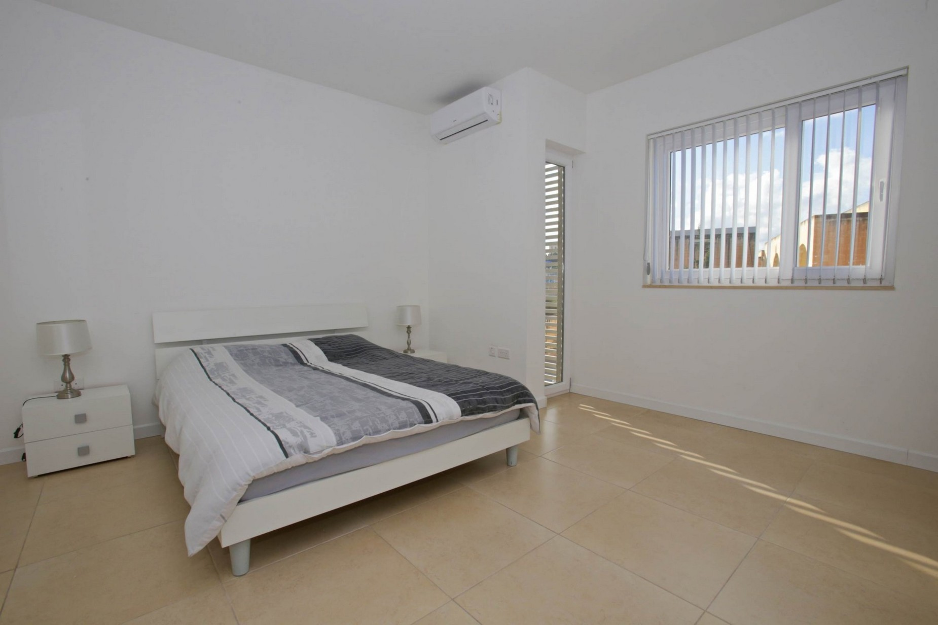 3 bed Apartment For Rent in Gzira, Gzira - thumb 12