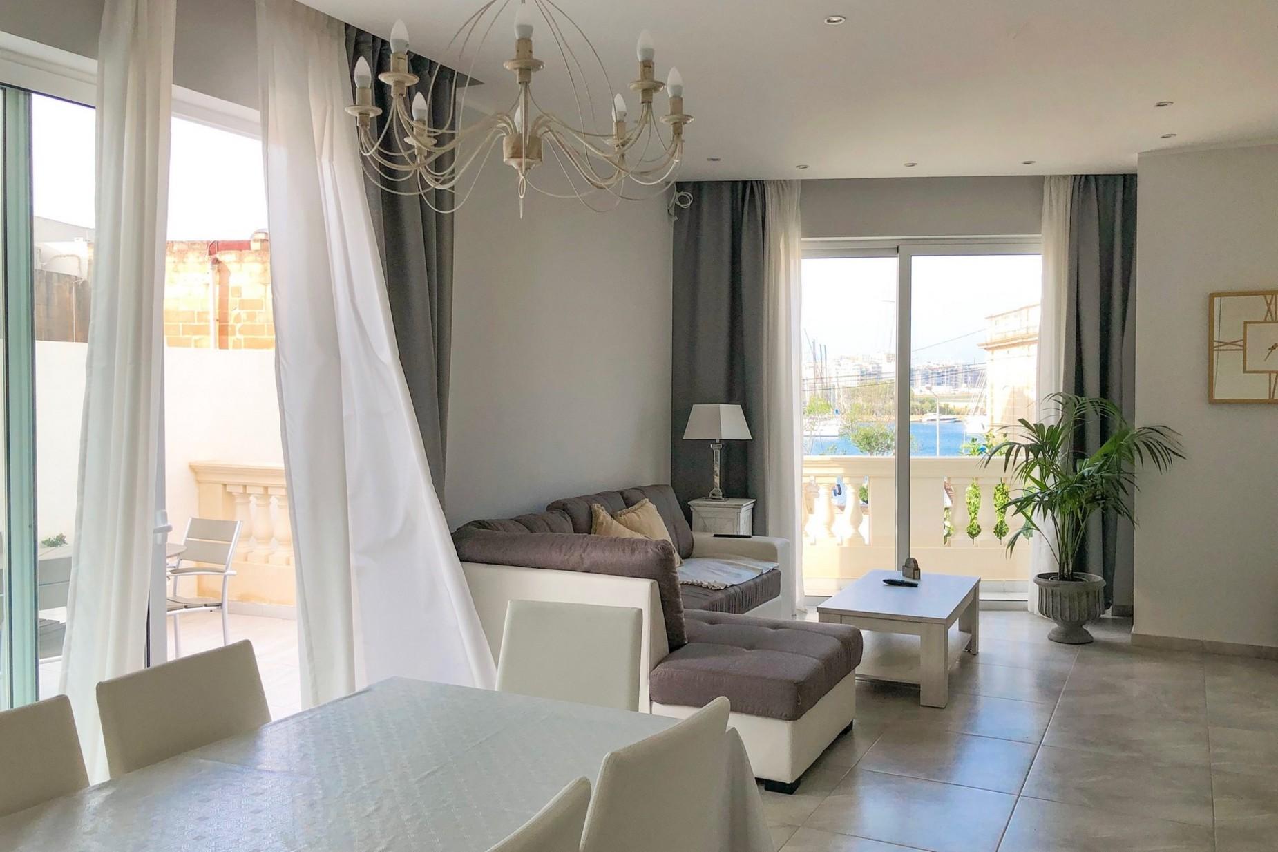 2 bed Maisonette For Rent in Ta' Xbiex, Ta' Xbiex - thumb 2