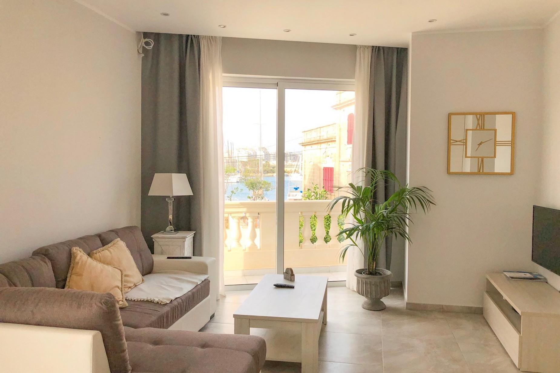 2 bed Maisonette For Rent in Ta' Xbiex, Ta' Xbiex - thumb 5