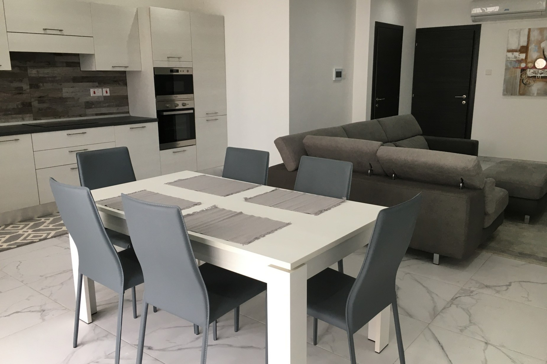 2 bed Apartment For Sale in Ibragg, Ibragg - thumb 5