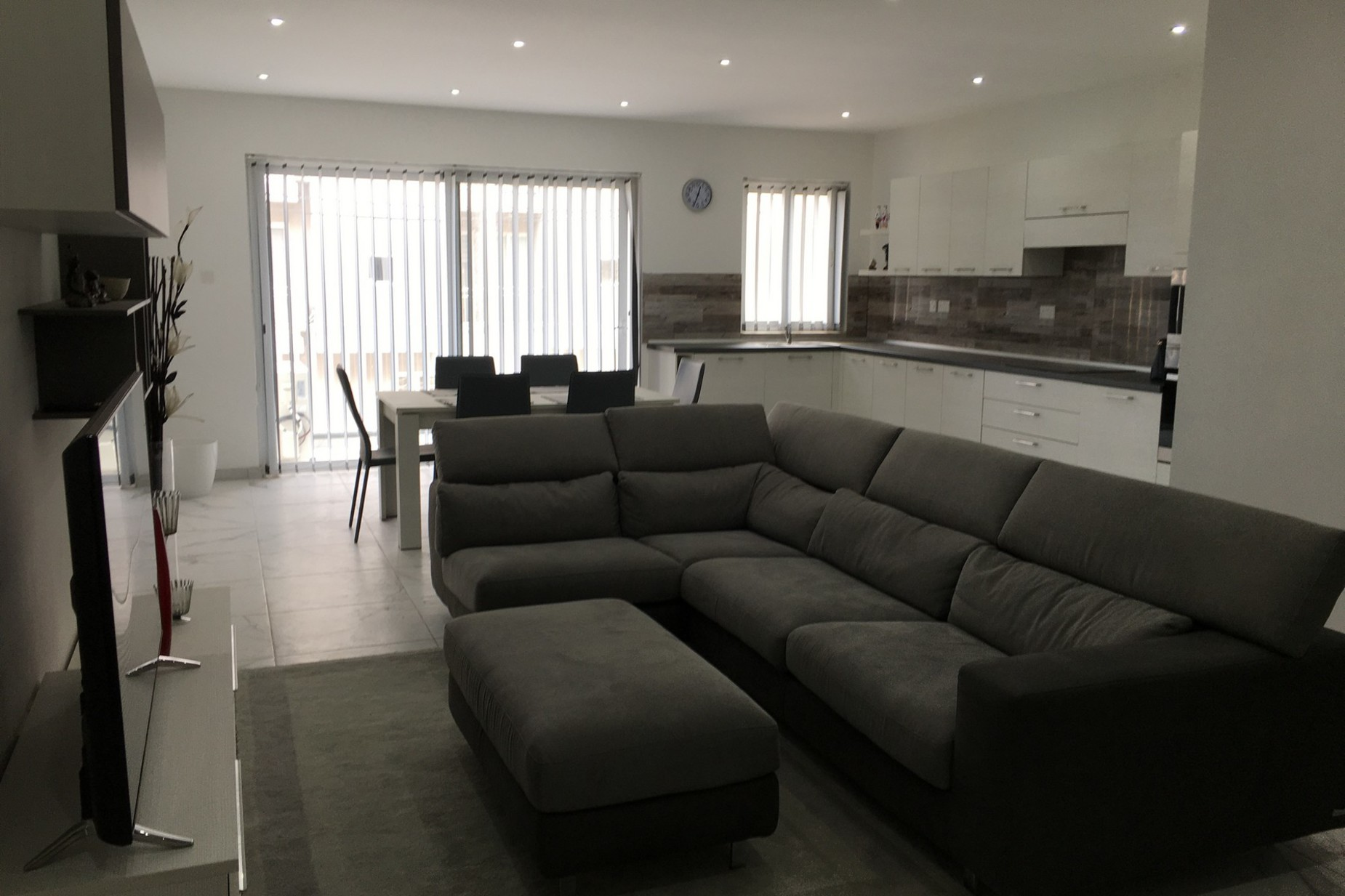 2 bed Apartment For Sale in Ibragg, Ibragg - thumb 2