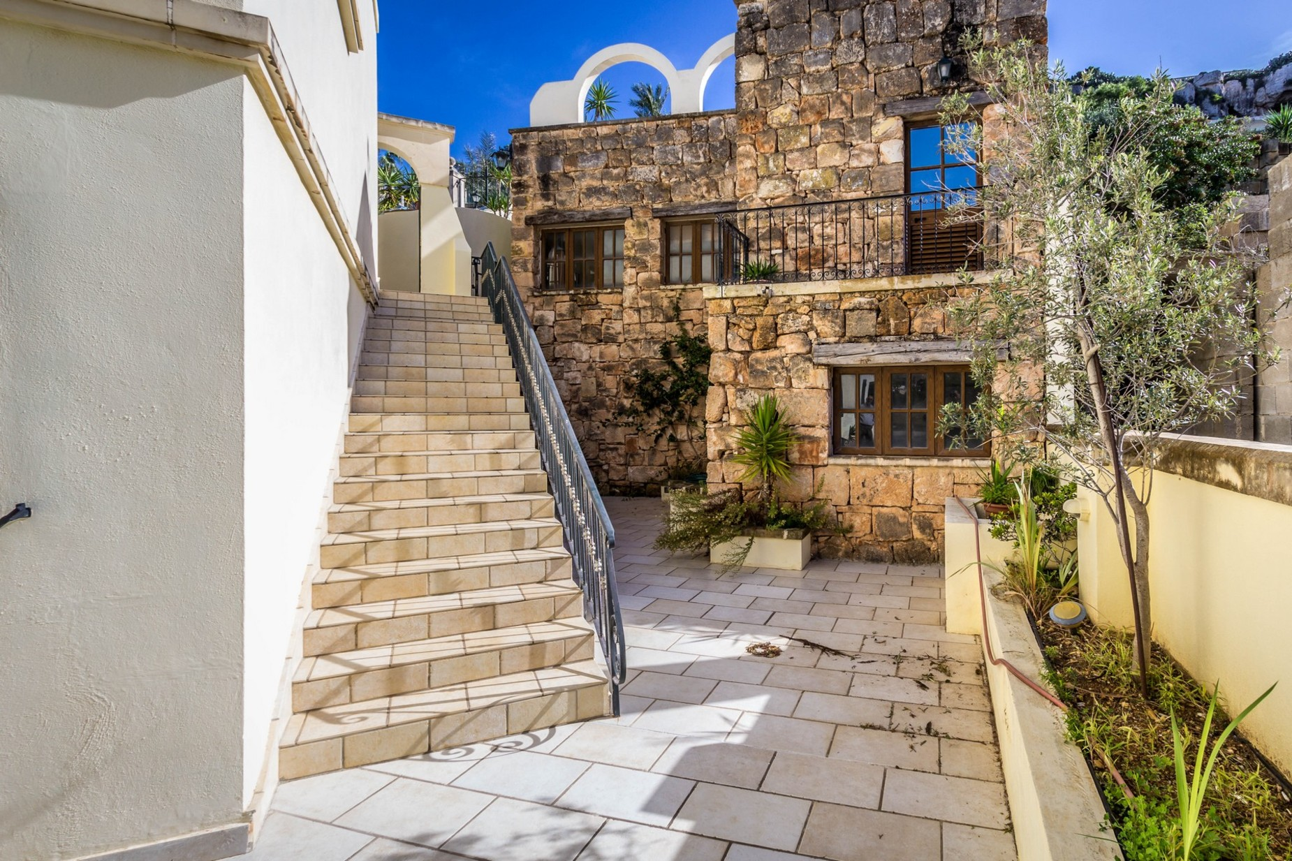 7 bed Villa For Sale in Mellieha, Mellieha - thumb 16