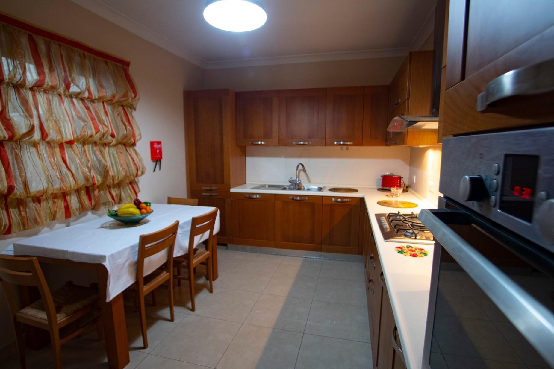 4 bed Apartment For Rent in Naxxar, Naxxar - thumb 5