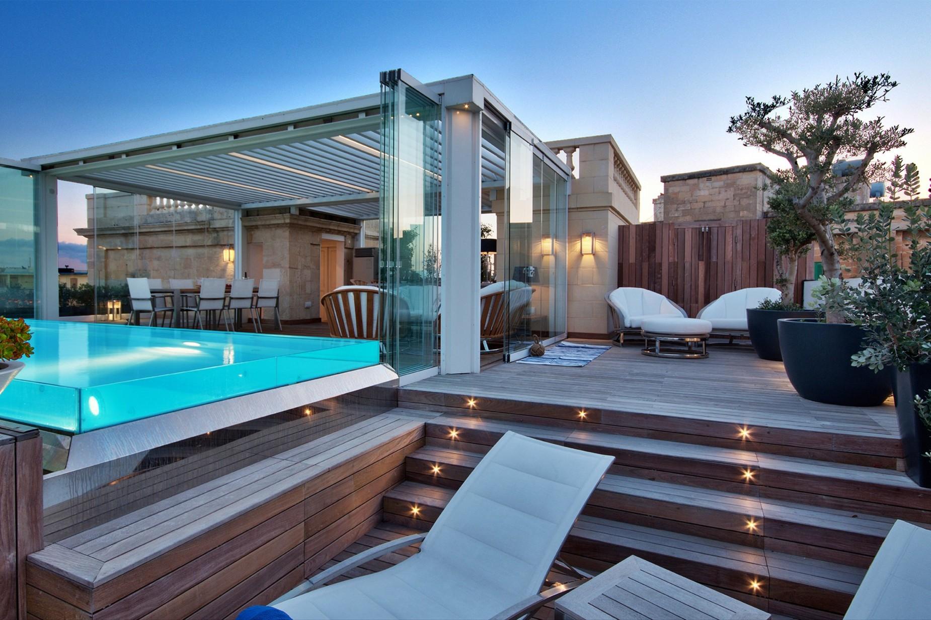 5 bed Villa For Sale in Ta' Xbiex, Ta' Xbiex - thumb 2