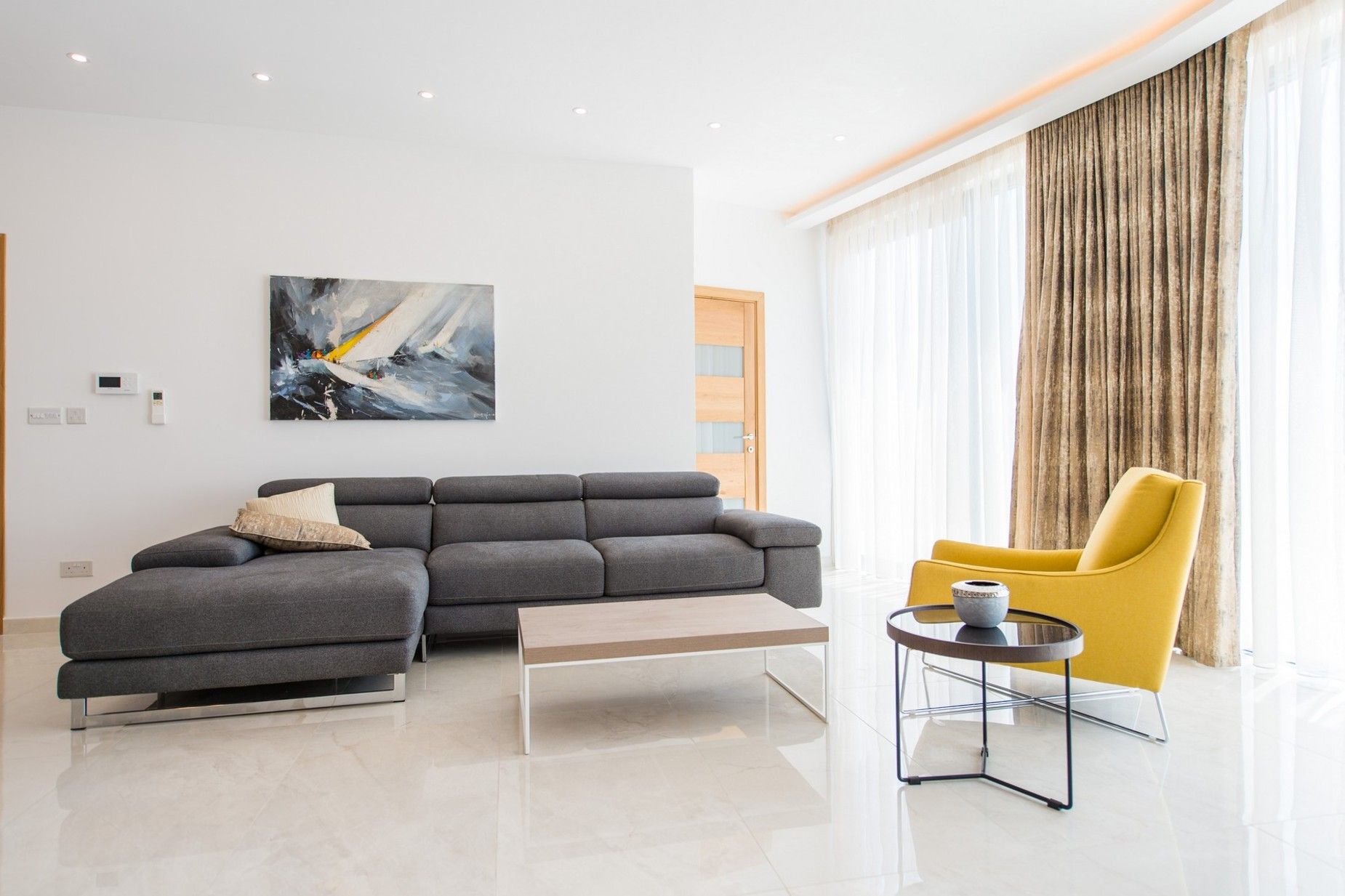 2 bed Penthouse For Rent in Ta' Xbiex, Ta' Xbiex - thumb 4