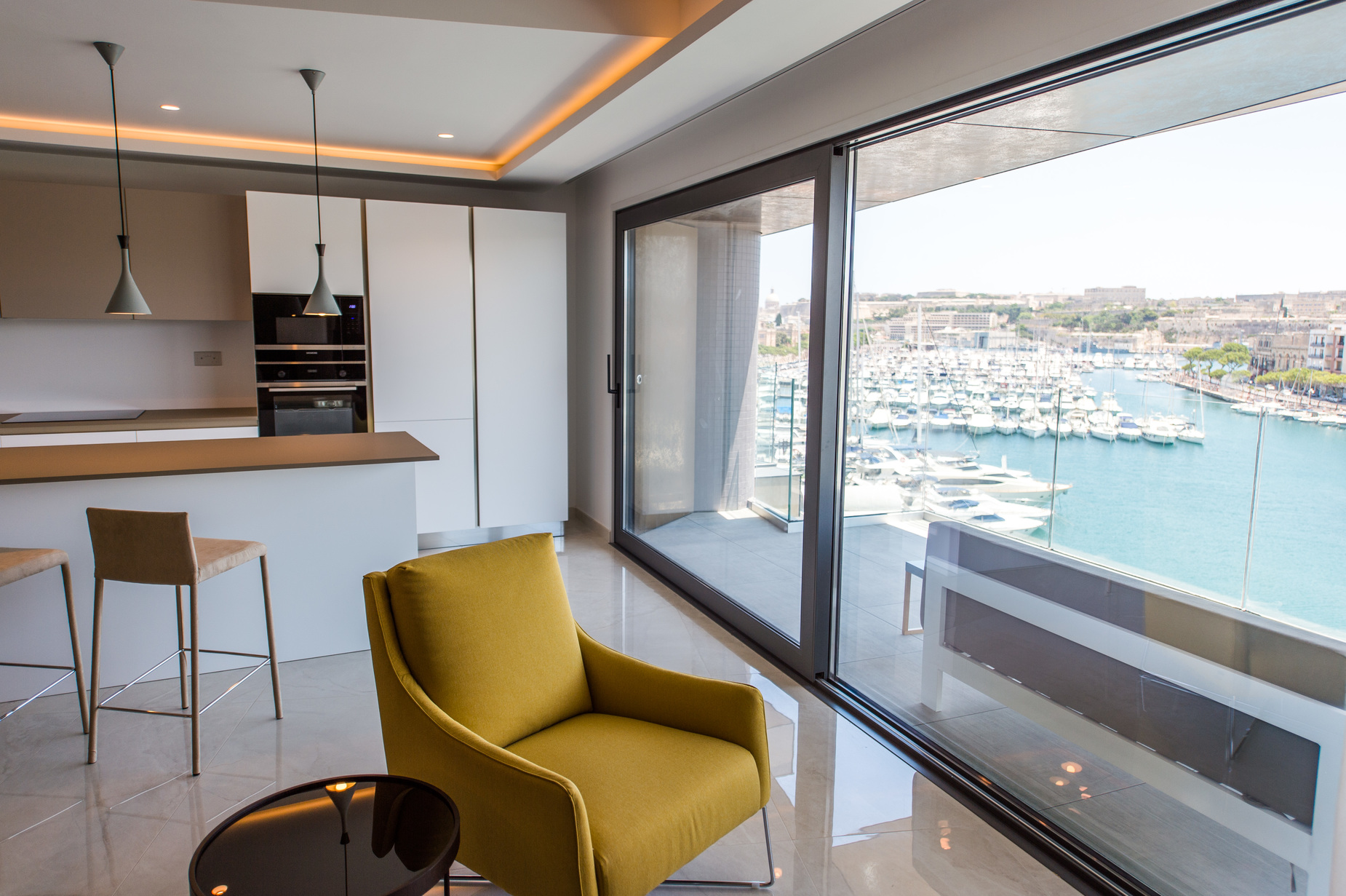 3 bed Apartment For Rent in Ta' Xbiex, Ta' Xbiex - thumb 2