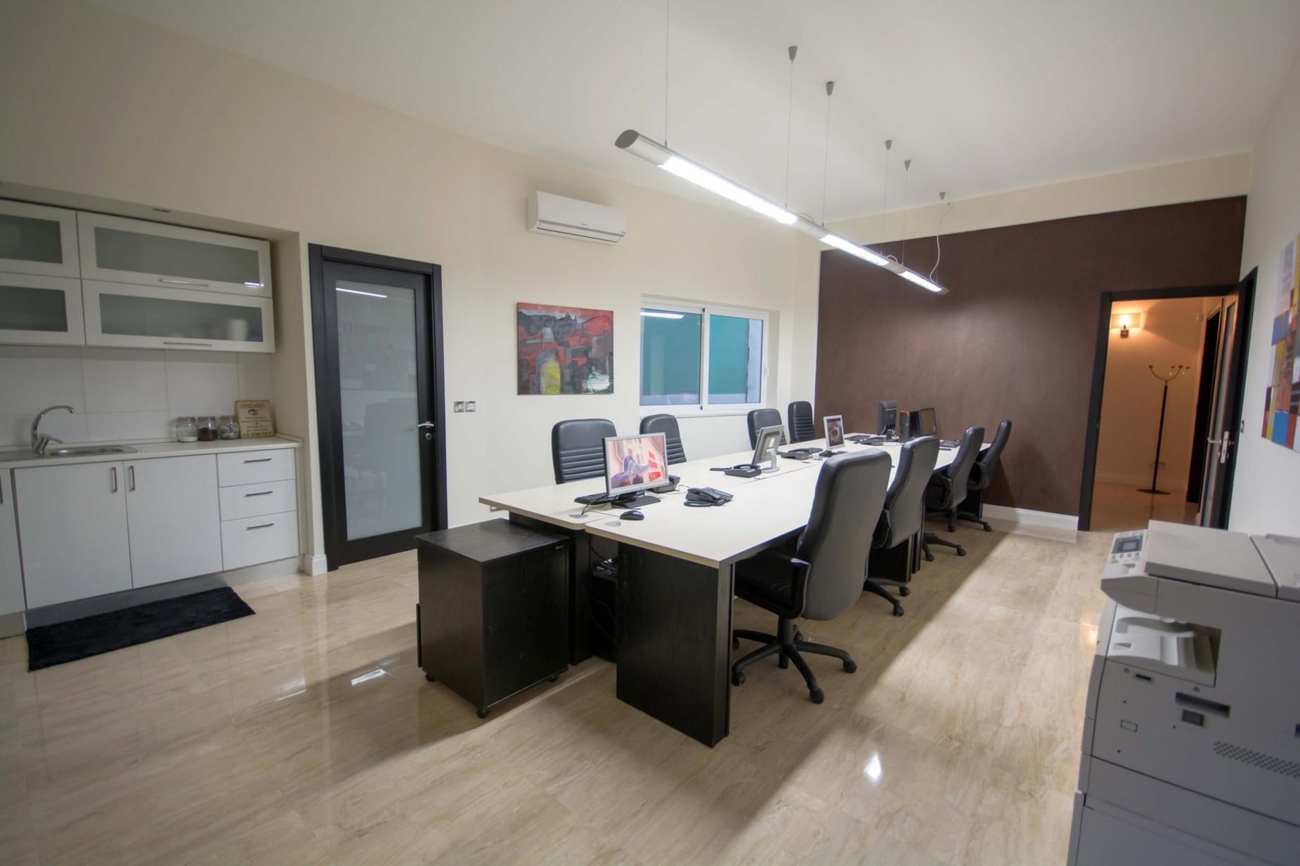 0 bed Office For Rent in Ta' Xbiex, Ta' Xbiex - thumb 2