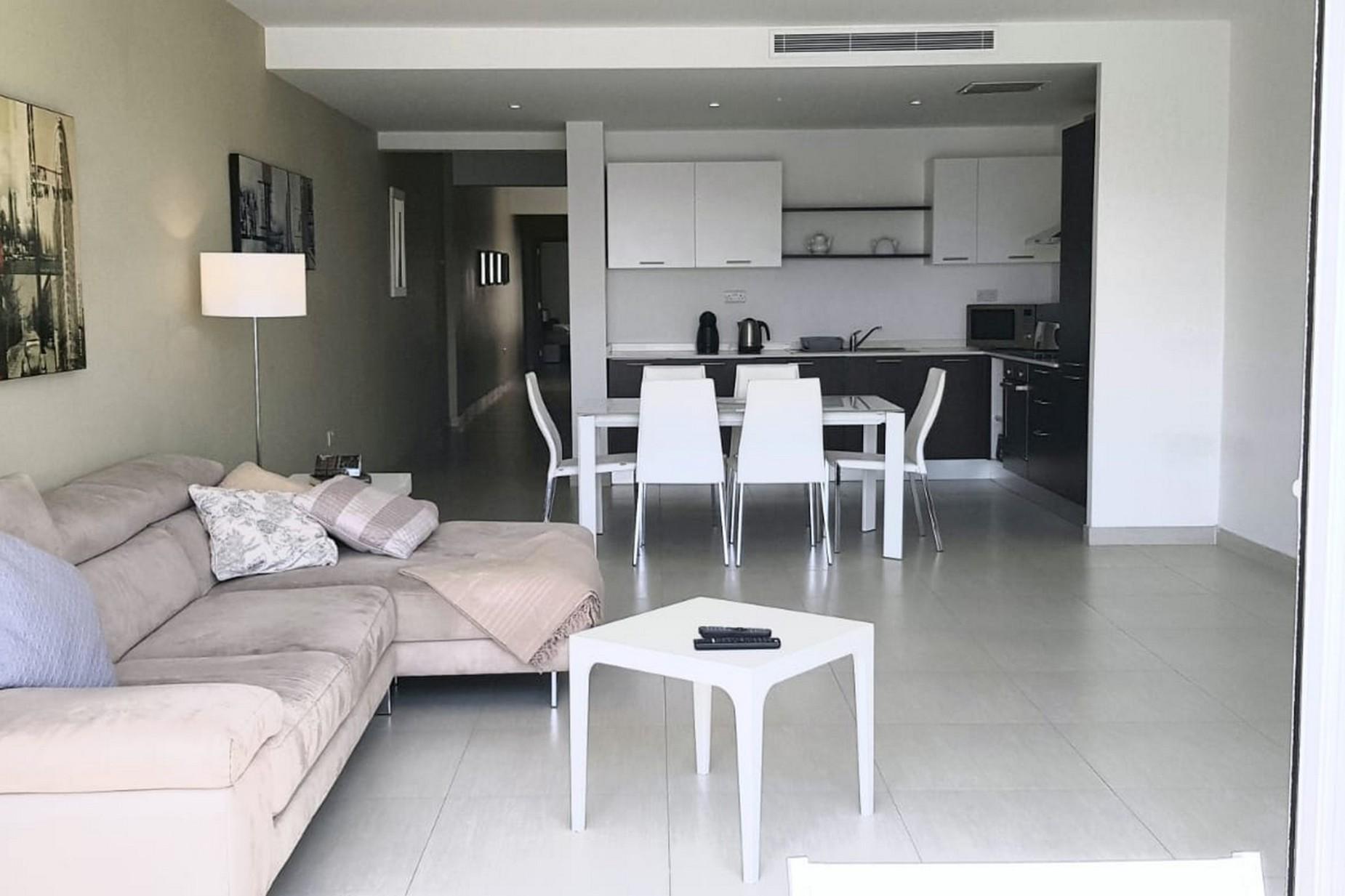 2 bed Apartment For Rent in Gzira, Gzira - thumb 2