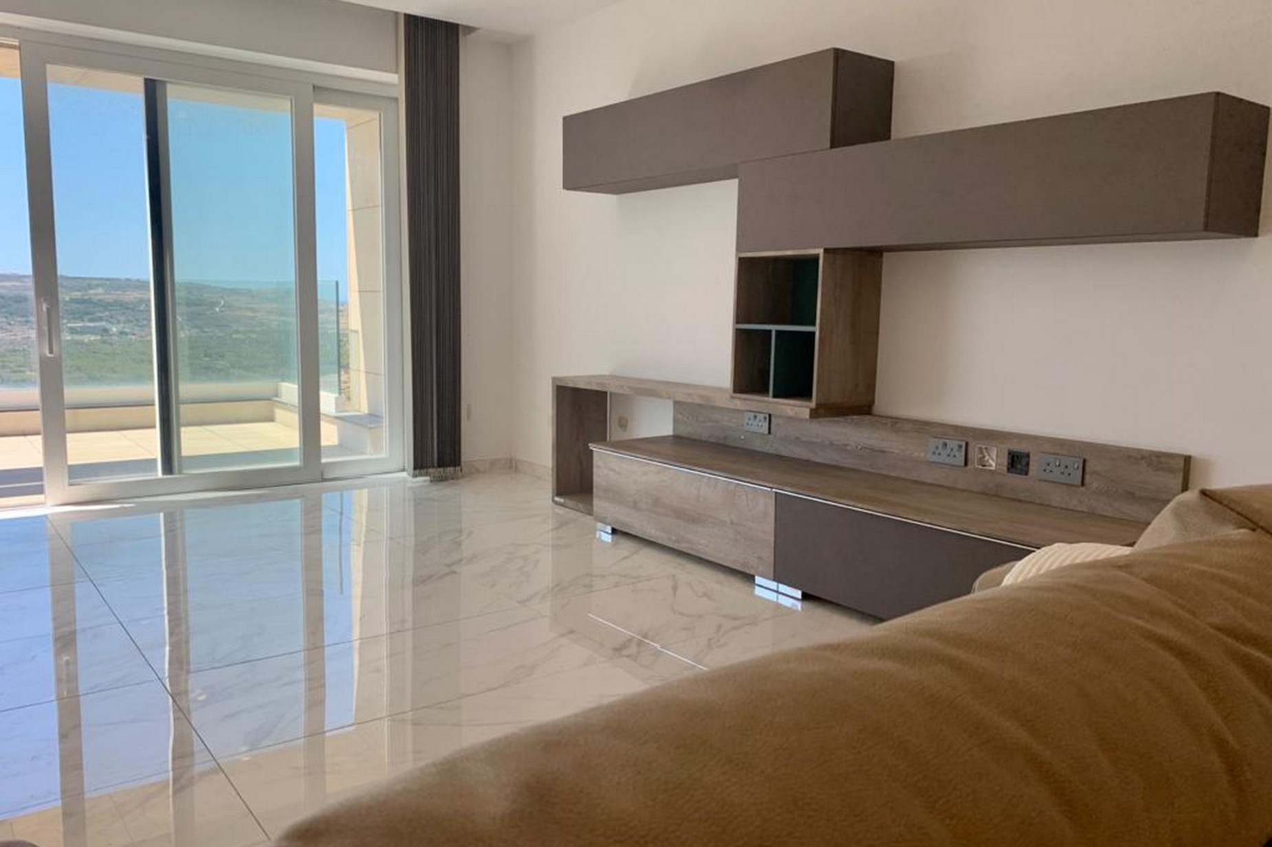 3 bed Apartment For Rent in Mellieha, Mellieha - thumb 3