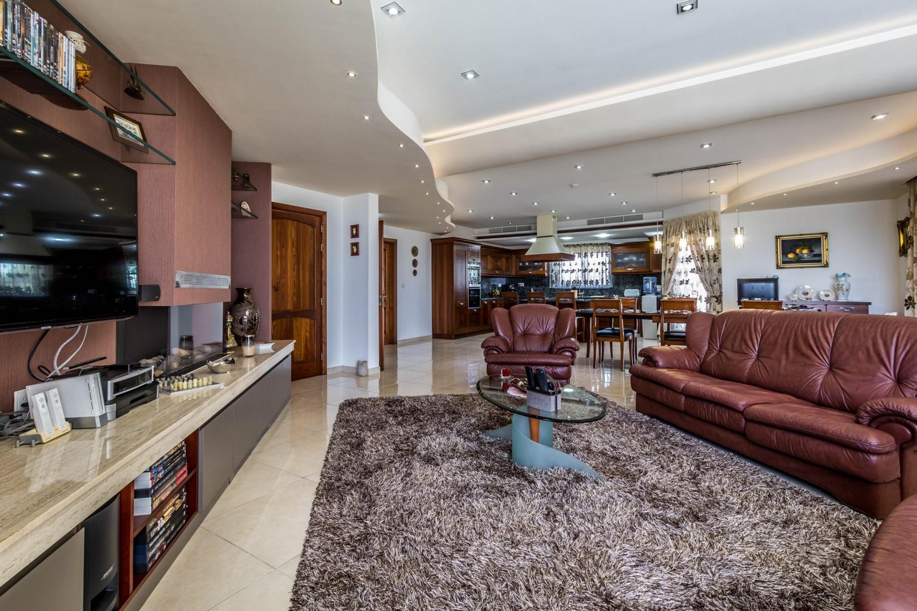 4 bed Villa For Sale in Naxxar, Naxxar - thumb 6