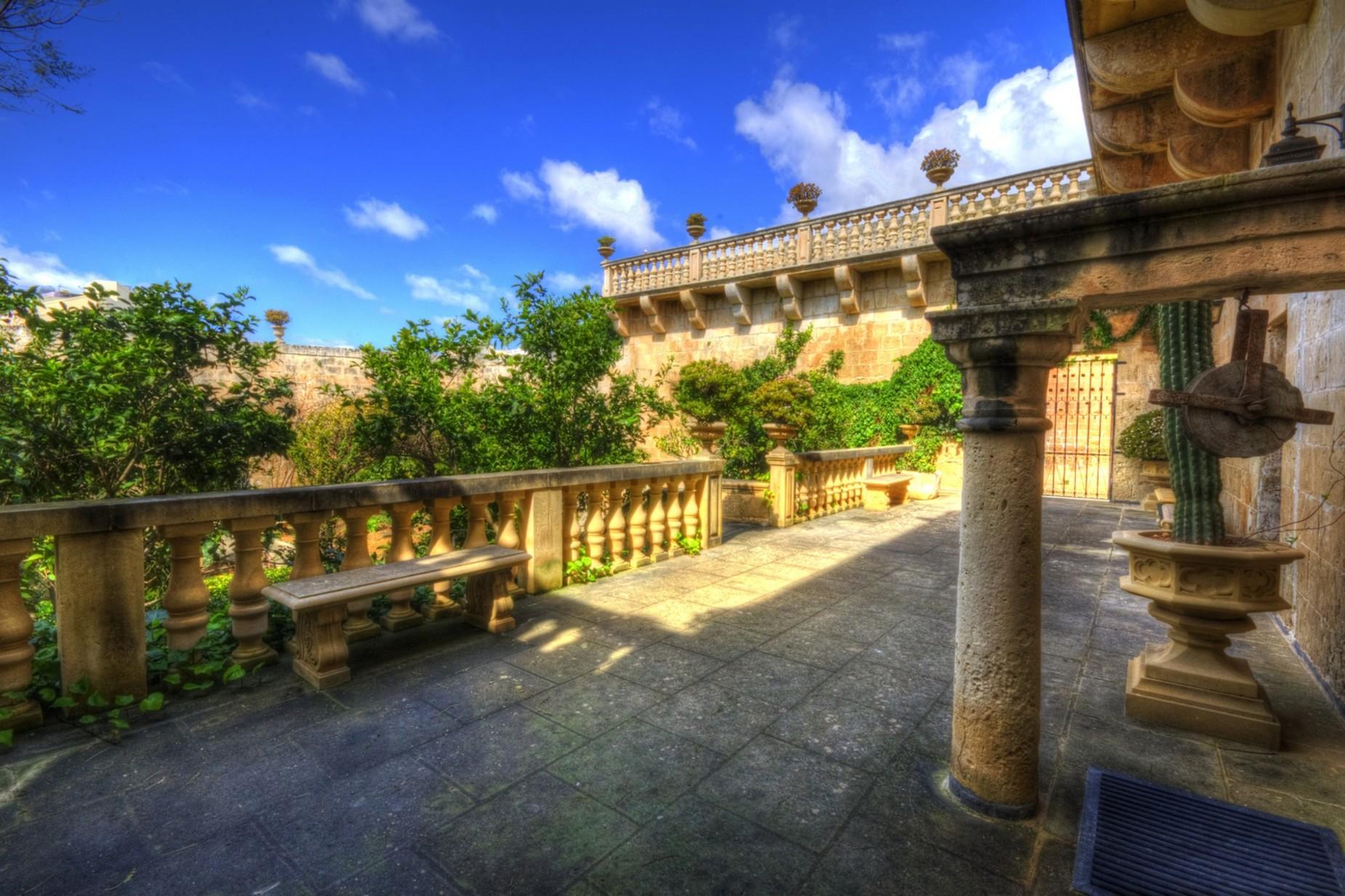 4 bed Palazzo For Sale in Qormi, Qormi - thumb 5