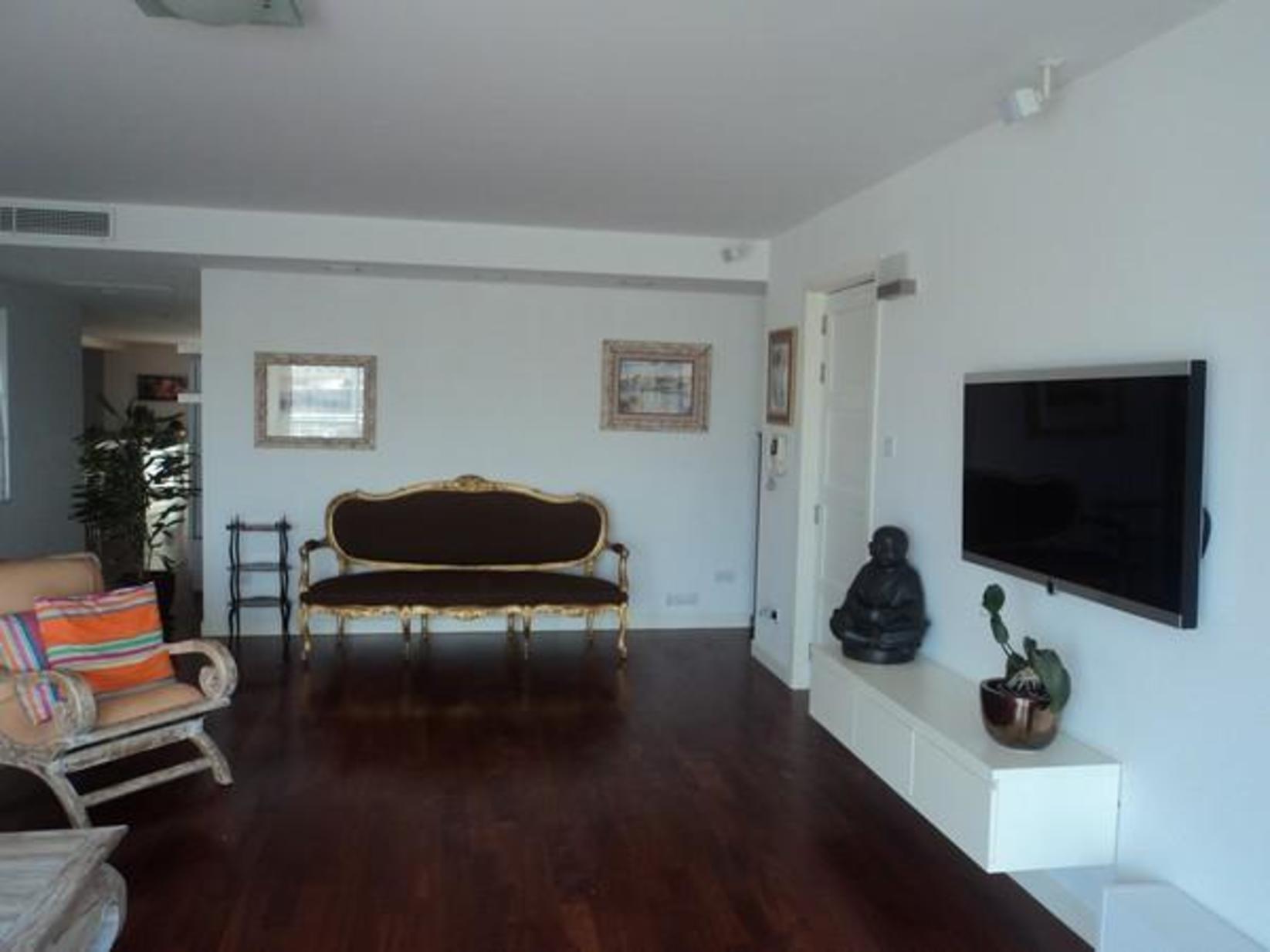 7 bed Penthouse For Rent in Ta' Xbiex, Ta' Xbiex - thumb 7