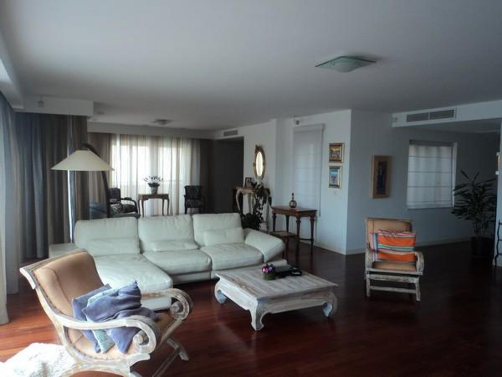 7 bed Penthouse For Rent in Ta' Xbiex, Ta' Xbiex - thumb 6