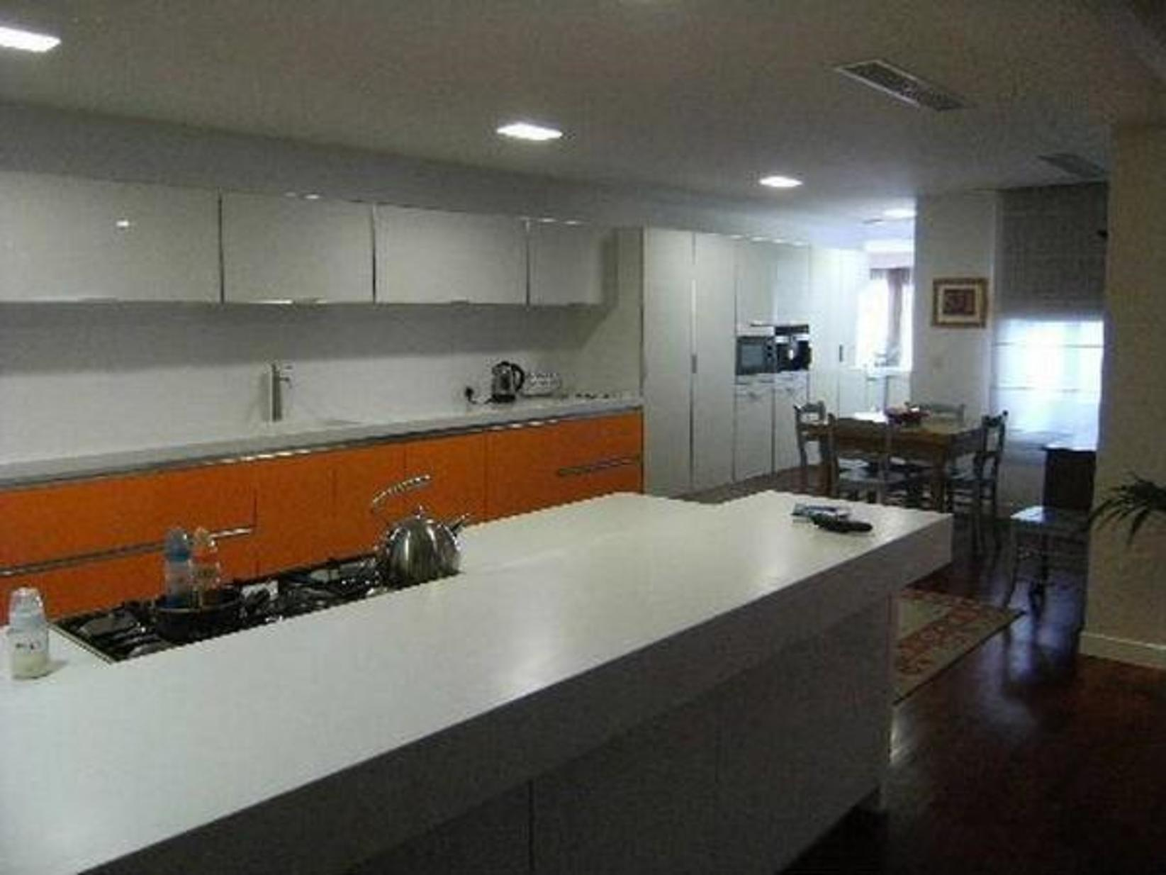 7 bed Penthouse For Rent in Ta' Xbiex, Ta' Xbiex - thumb 4