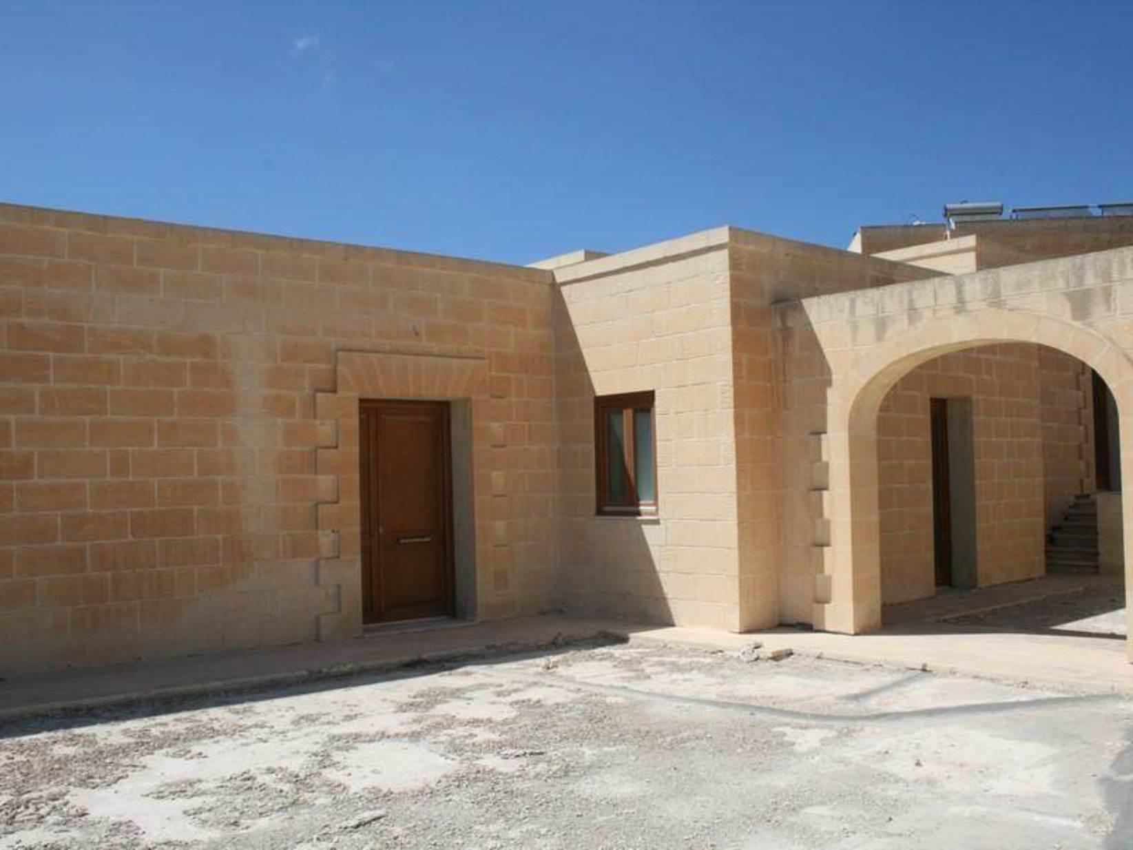 5 bed Villa For Sale in Wardija, Wardija - thumb 4