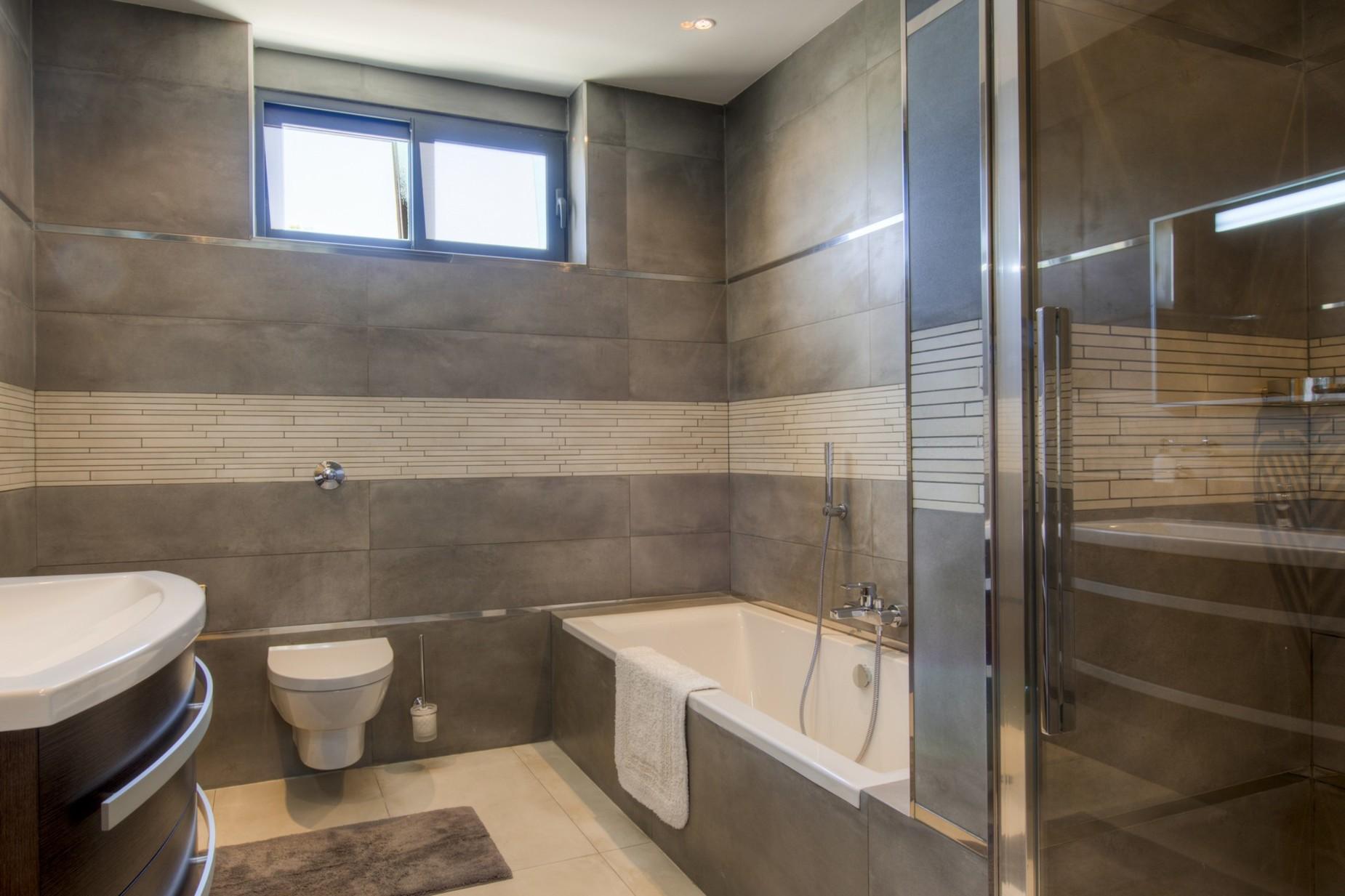 4 bed Villa For Sale in Bahar ic-Caghaq, Bahar ic-Caghaq - thumb 3