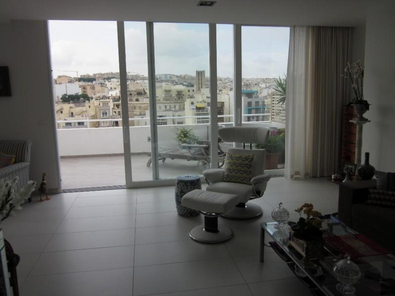 2 bed Penthouse For Rent in St Julian's, St Julian's - thumb 3