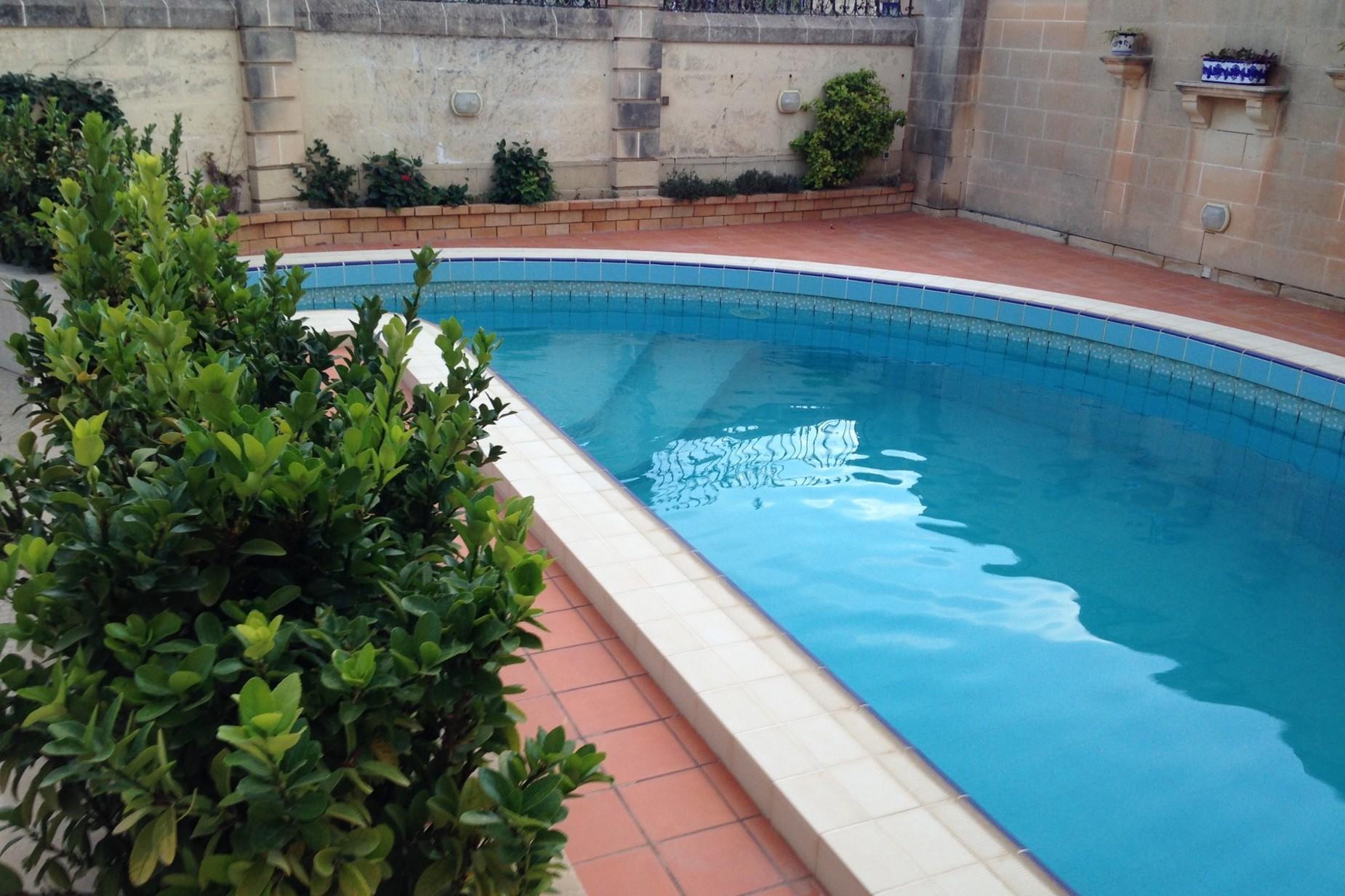4 bed Villa For Sale in Attard, Attard - thumb 3
