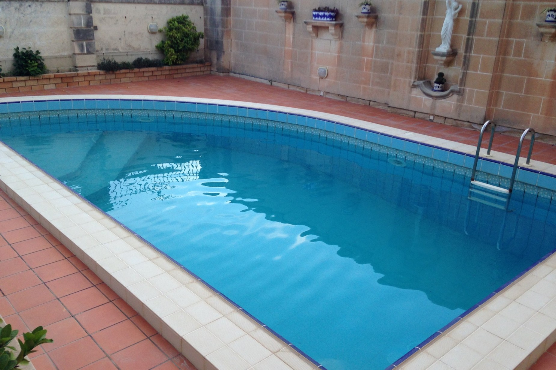 4 bed Villa For Sale in Attard, Attard - thumb 2