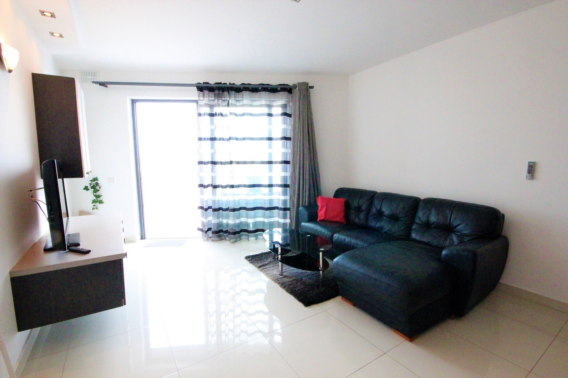2 bed Penthouse For Rent in Rabat, Rabat - thumb 2