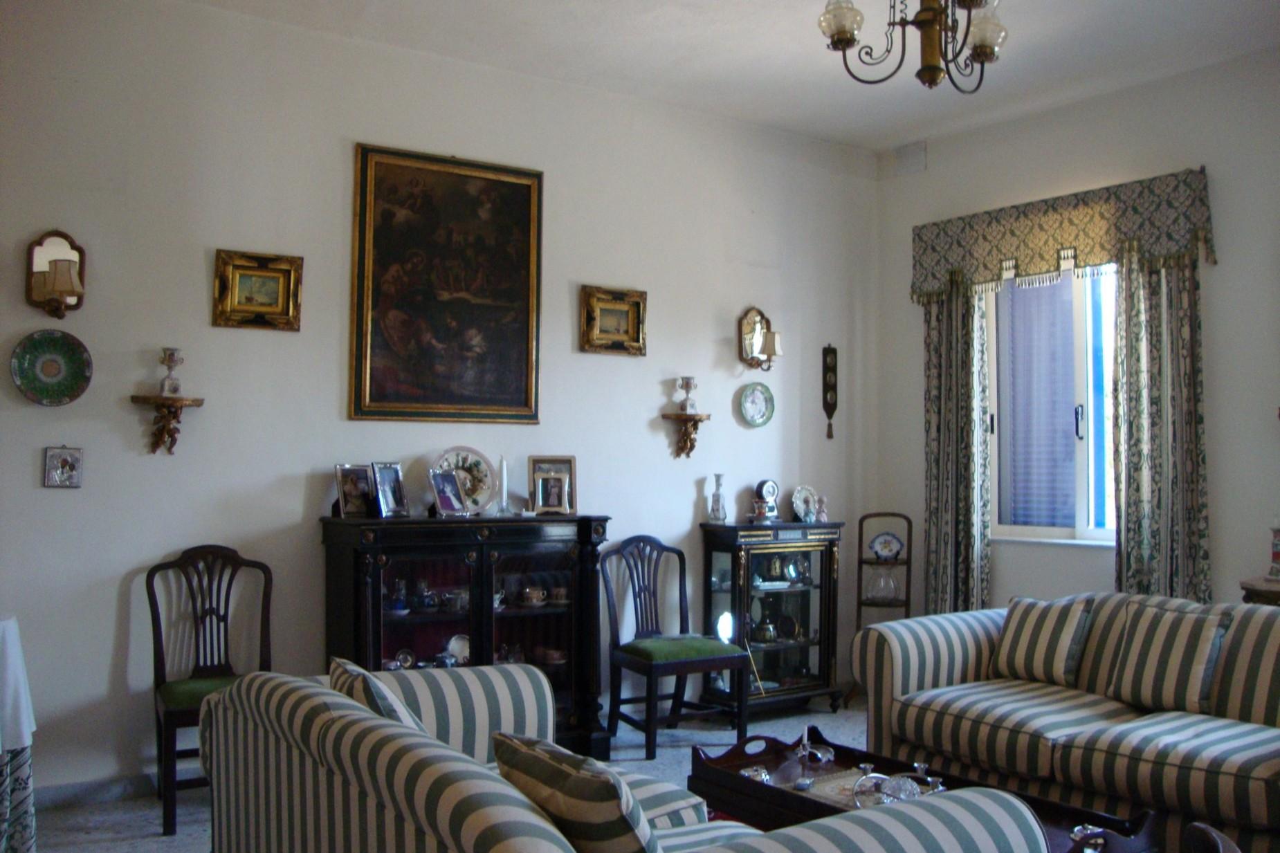 4 bed Villa For Rent in Iklin, Iklin - thumb 16