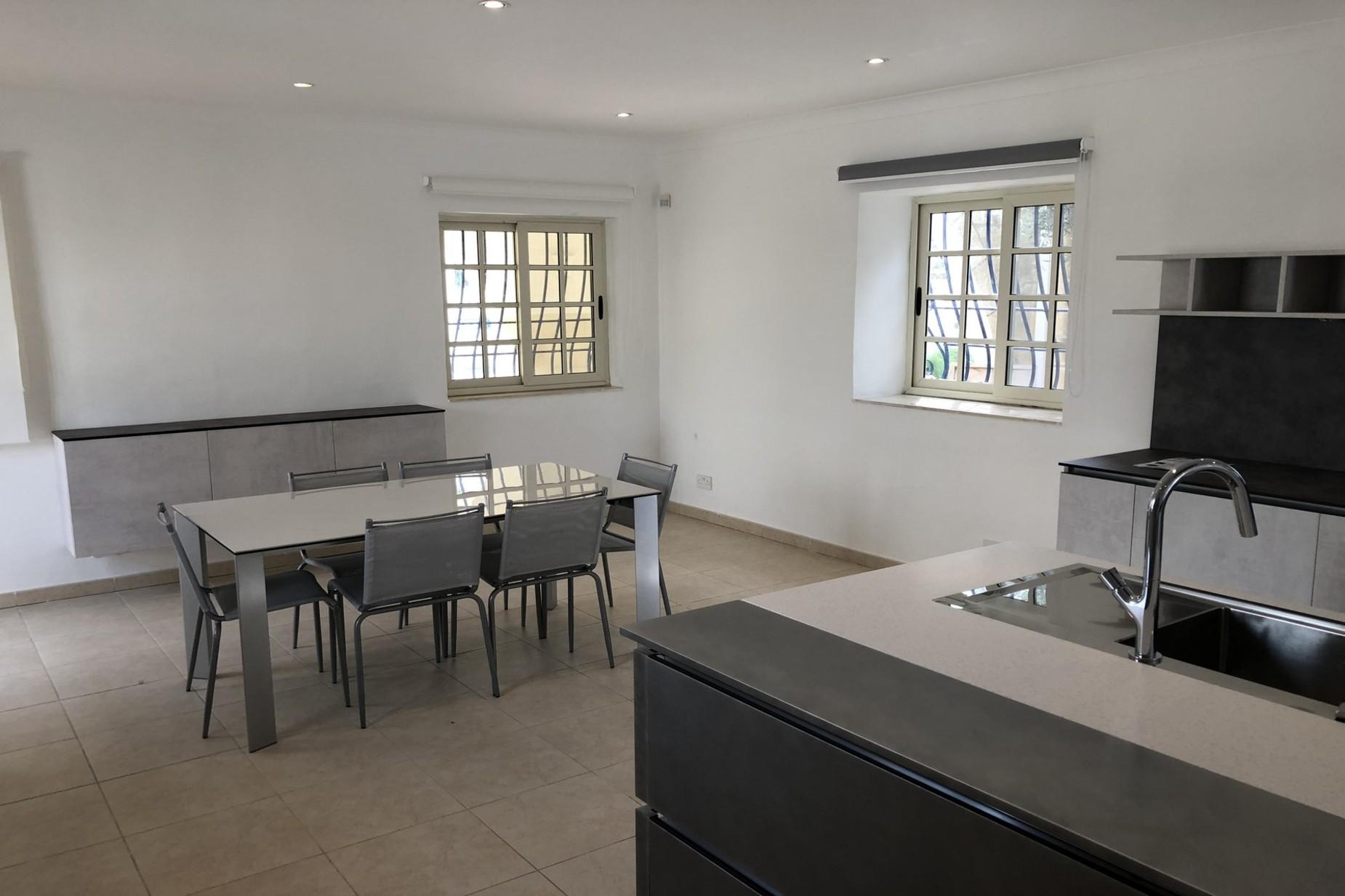 5 bed Villa For Rent in Naxxar, Naxxar - thumb 4