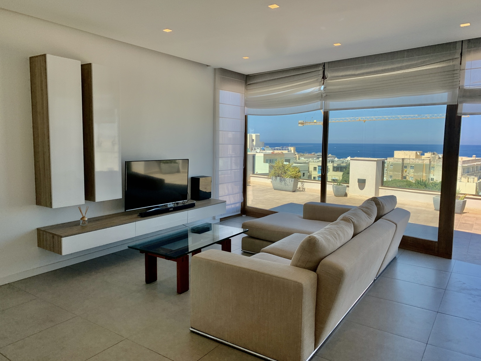 2 bed Penthouse For Rent in St Julian's, St Julian's - thumb 4