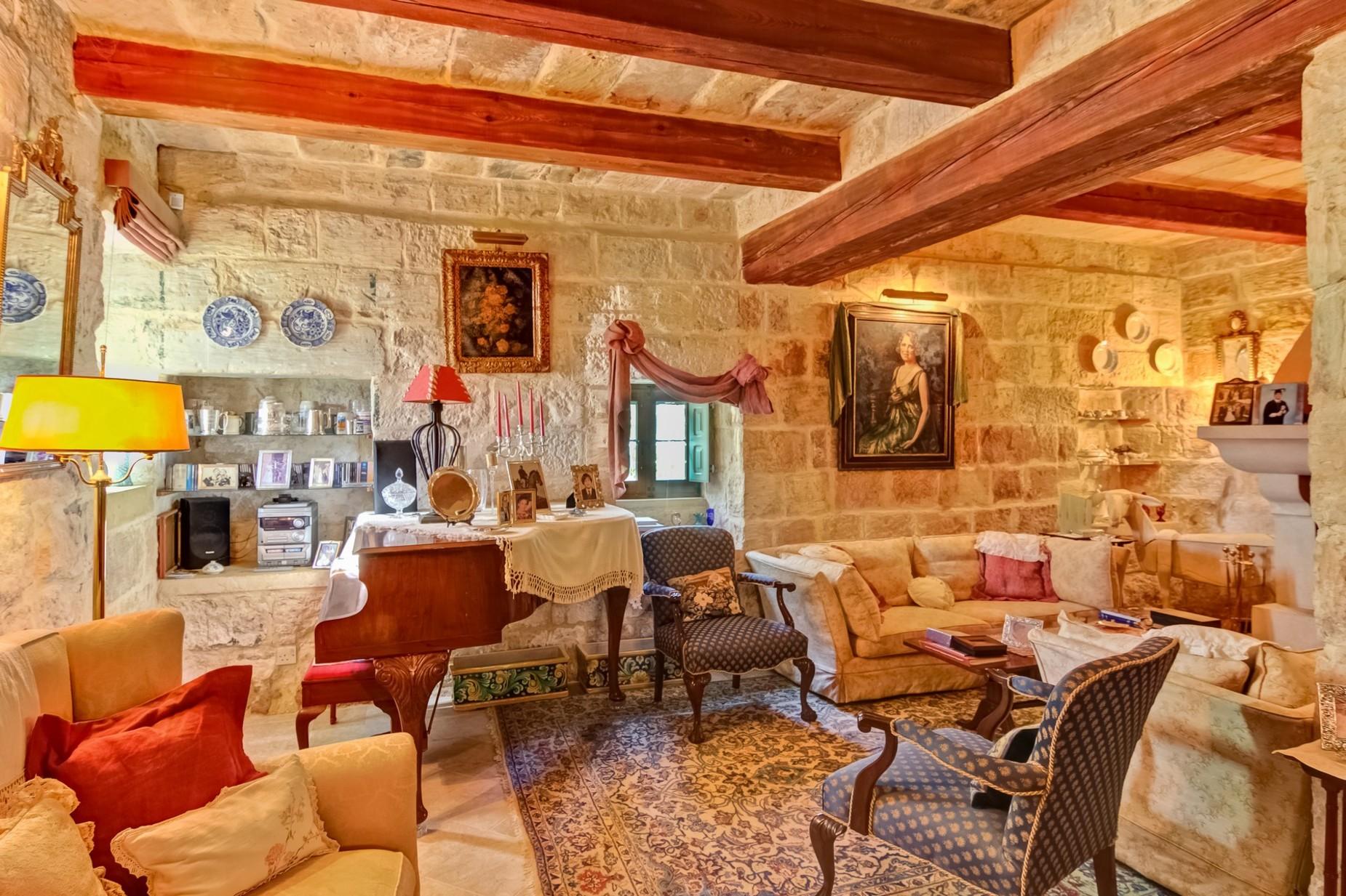 4 bed Villa For Sale in Zurrieq, Zurrieq - thumb 7