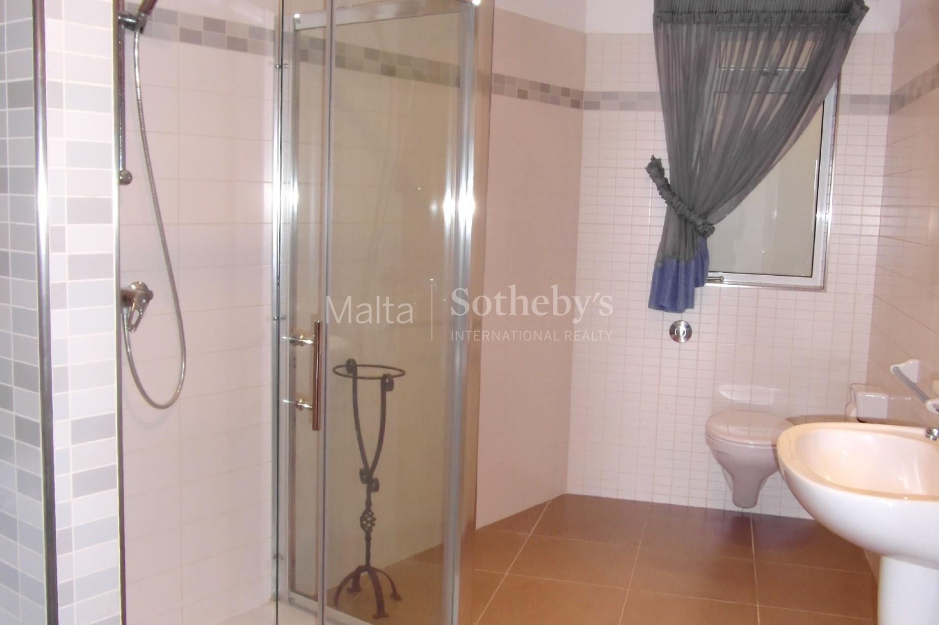 3 bed Villa For Rent in Naxxar, Naxxar - thumb 6