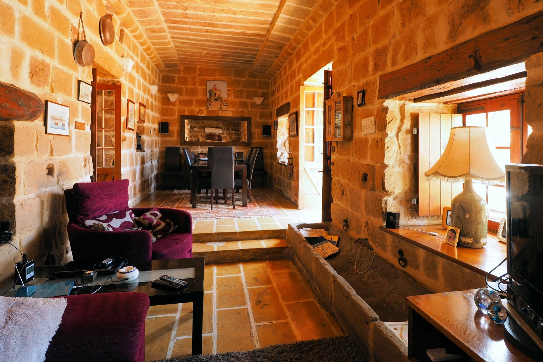 4 bed Farmhouse For Rent in Swatar, Swatar - thumb 7