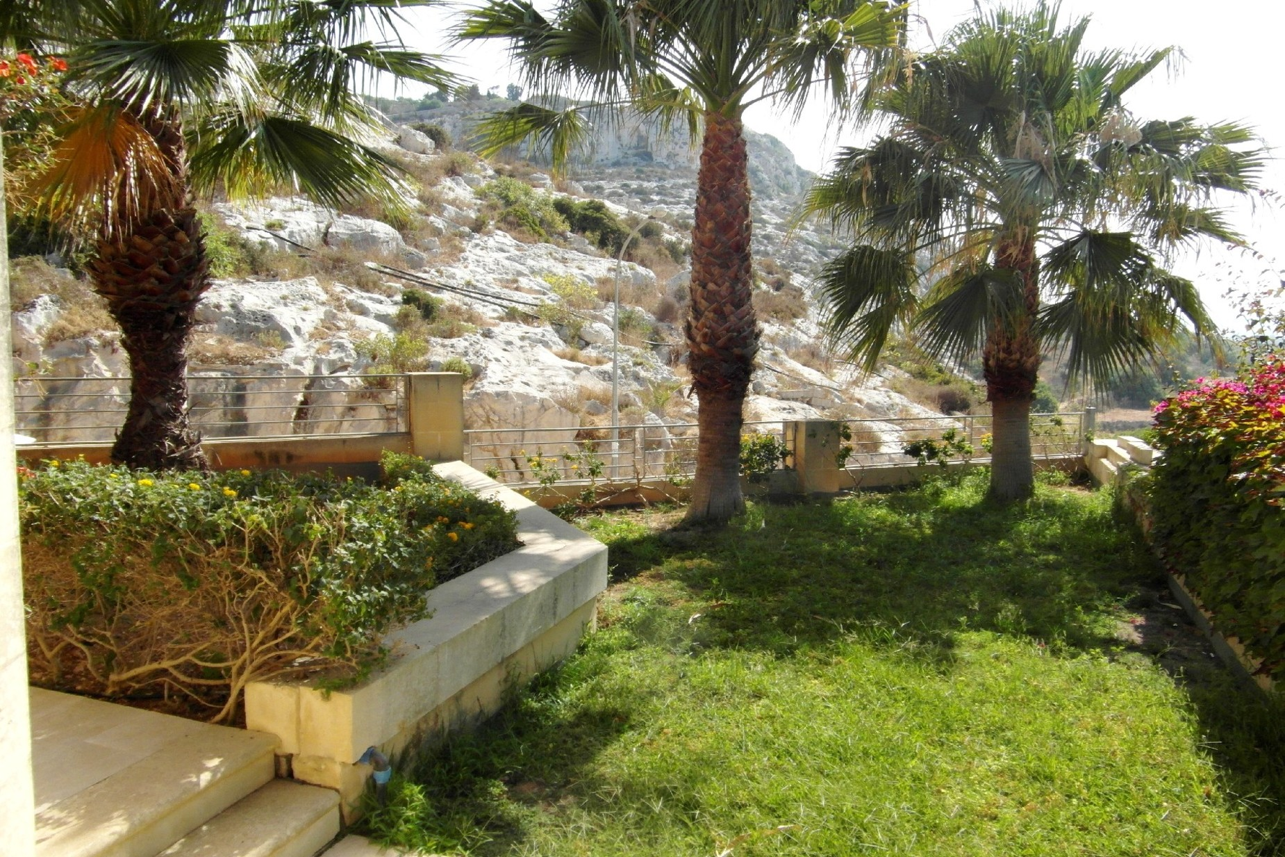 4 bed Villa For Rent in Bahar ic-Caghaq, Bahar ic-Caghaq - thumb 13