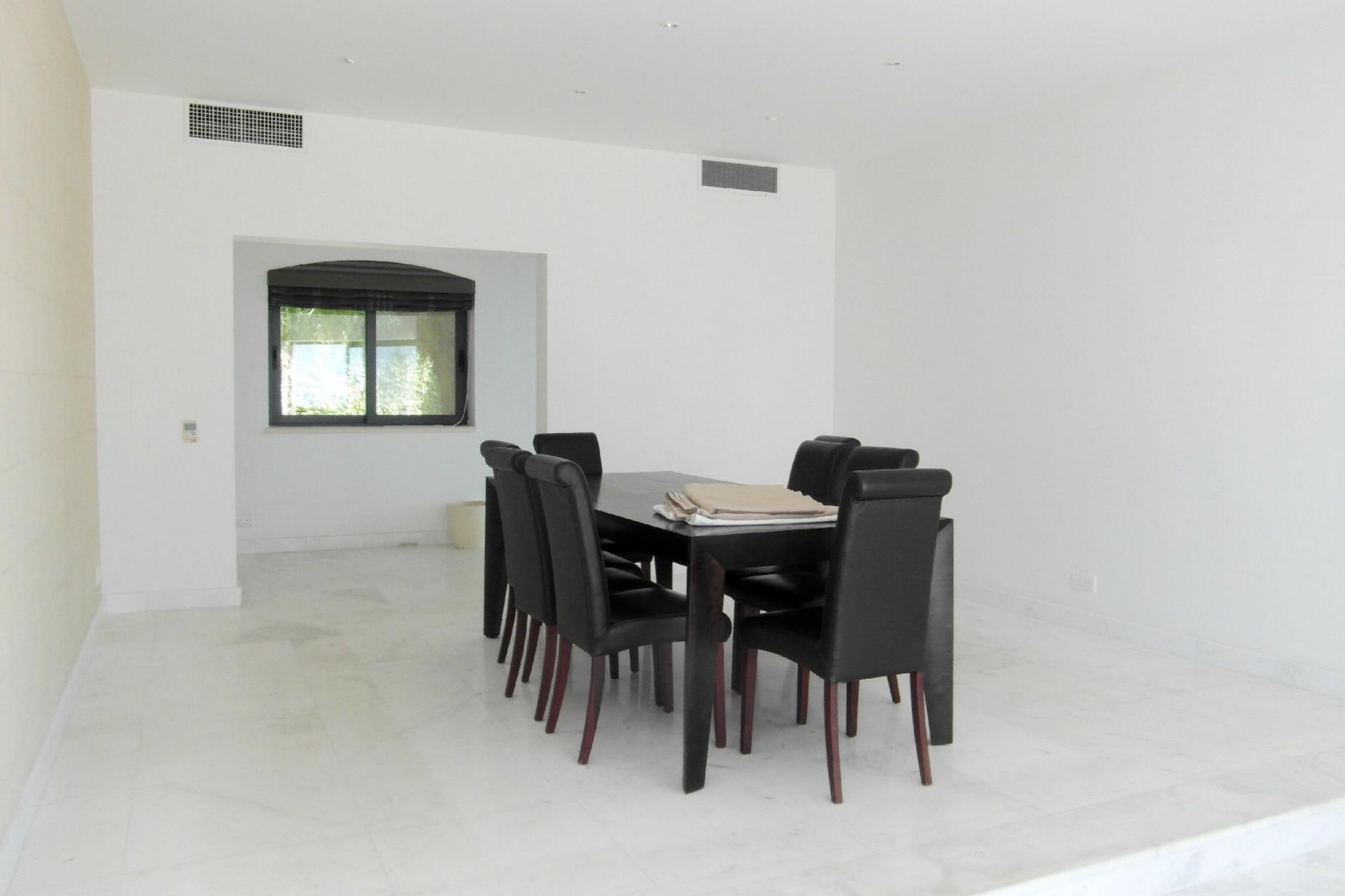 4 bed Villa For Rent in Bahar ic-Caghaq, Bahar ic-Caghaq - thumb 9