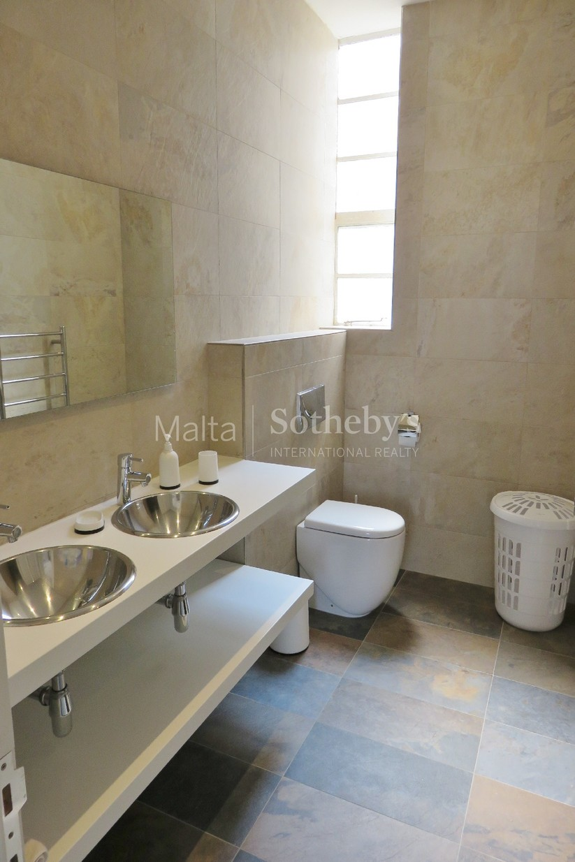 3 bed Apartment For Rent in Valletta, Valletta - thumb 3