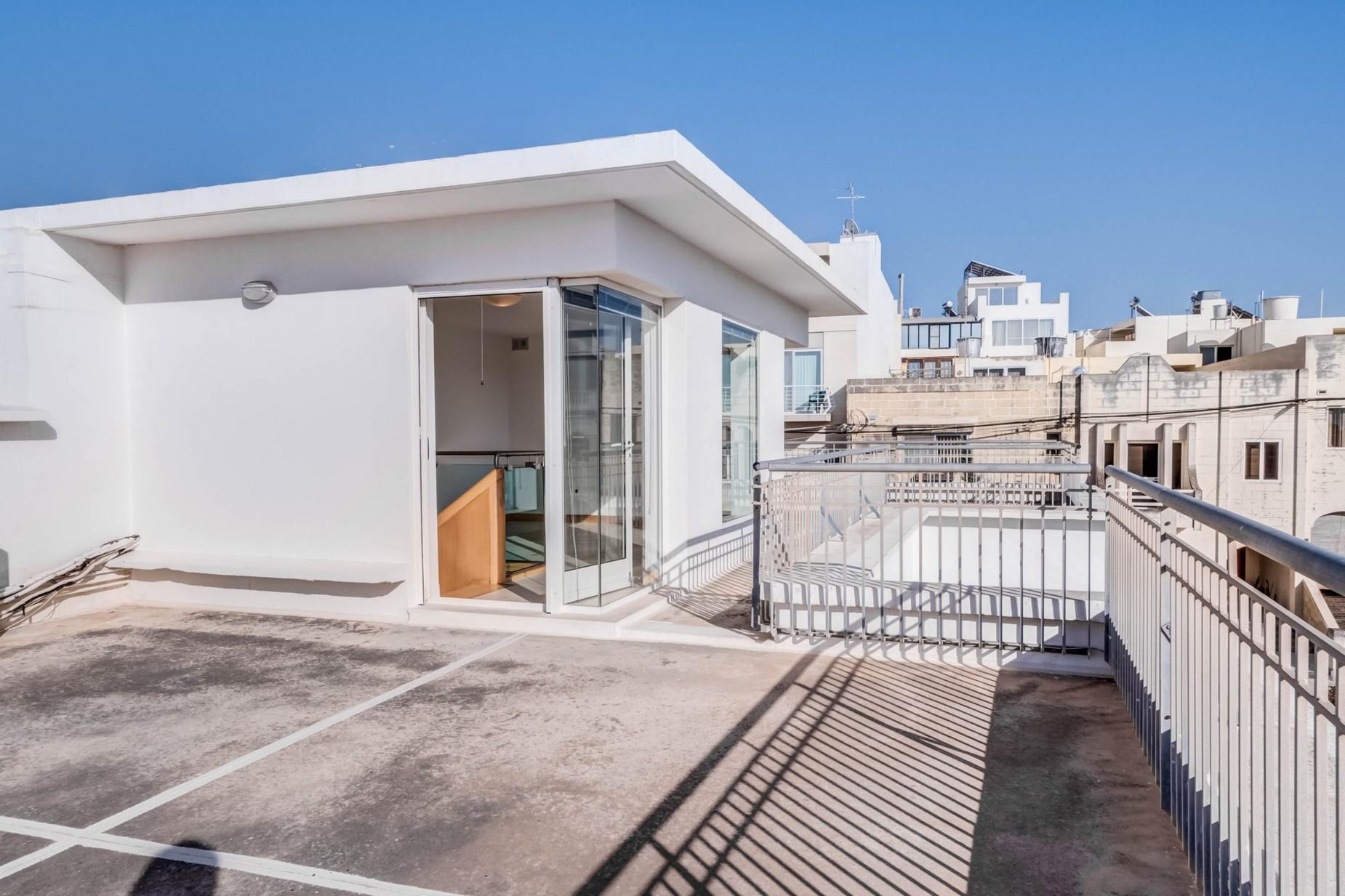 3 bed Villa For Rent in Naxxar, Naxxar - thumb 8
