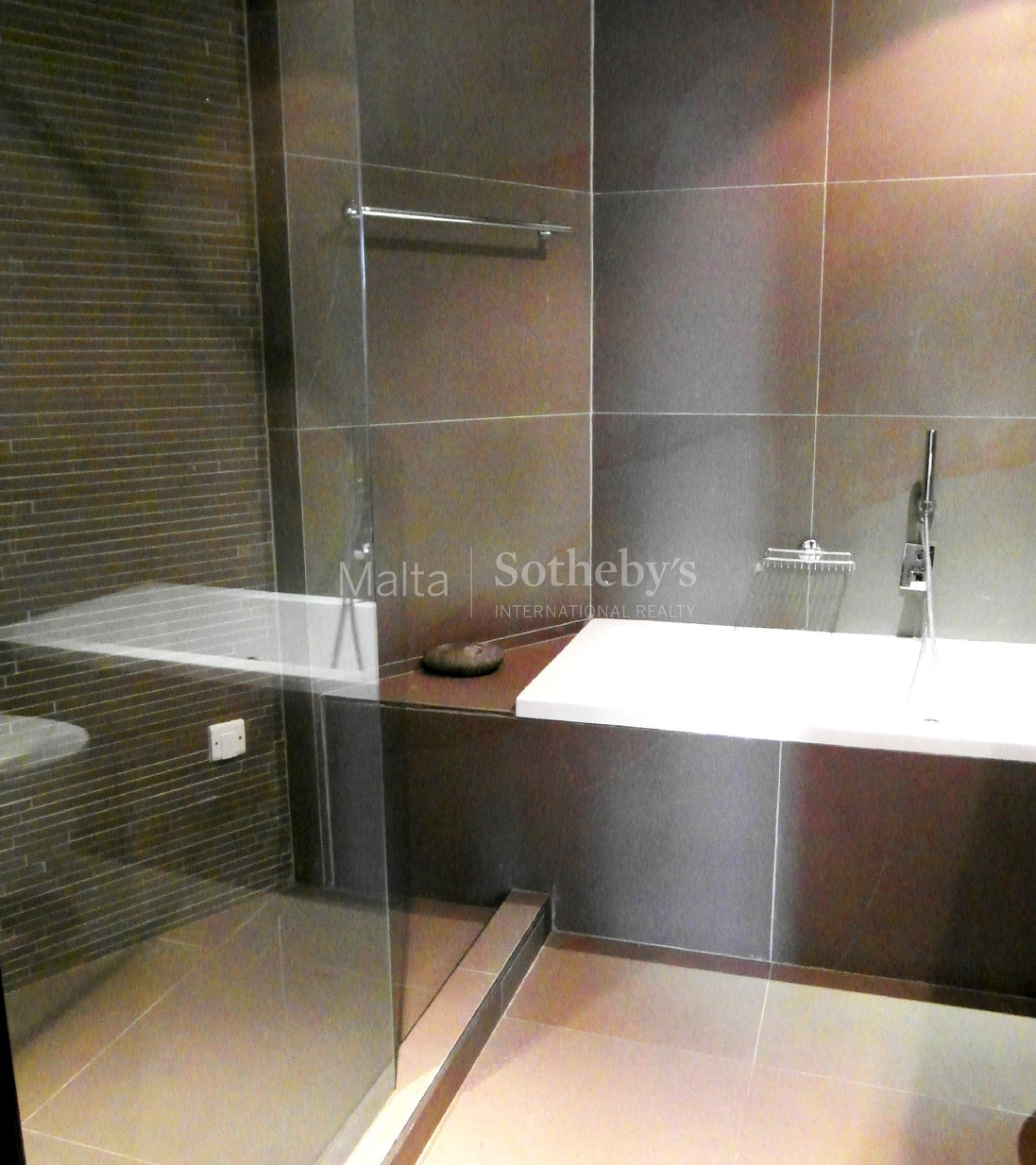 3 bed Apartment For Rent in Ta' Xbiex, Ta' Xbiex - thumb 10