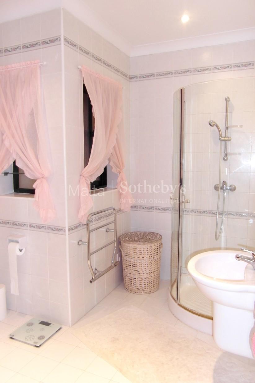 3 bed Villa For Rent in Attard, Attard - thumb 8