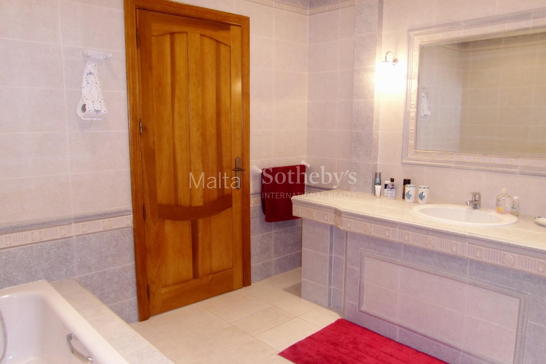 3 bed Villa For Rent in Attard, Attard - thumb 10